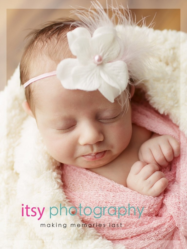 10 Great One Month Old Baby Picture Ideas 1 month old baby posing ideas 2020