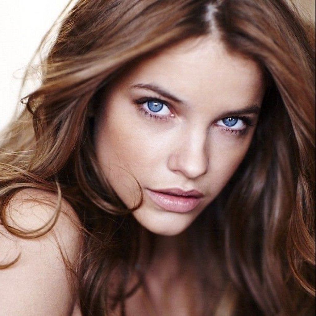 10 Amazing Hair Color Ideas For Pale Skin 10 best brown hair color for fair skin tones and shades hair 2021
