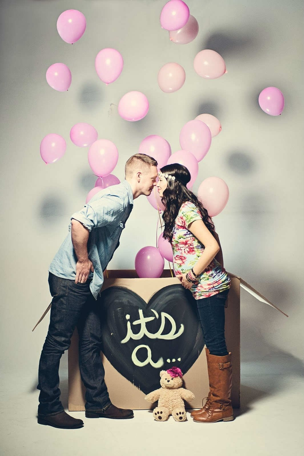 10 Stylish Baby Gender Reveal Photo Ideas 10 creative gender reveal ideas tinyme blog