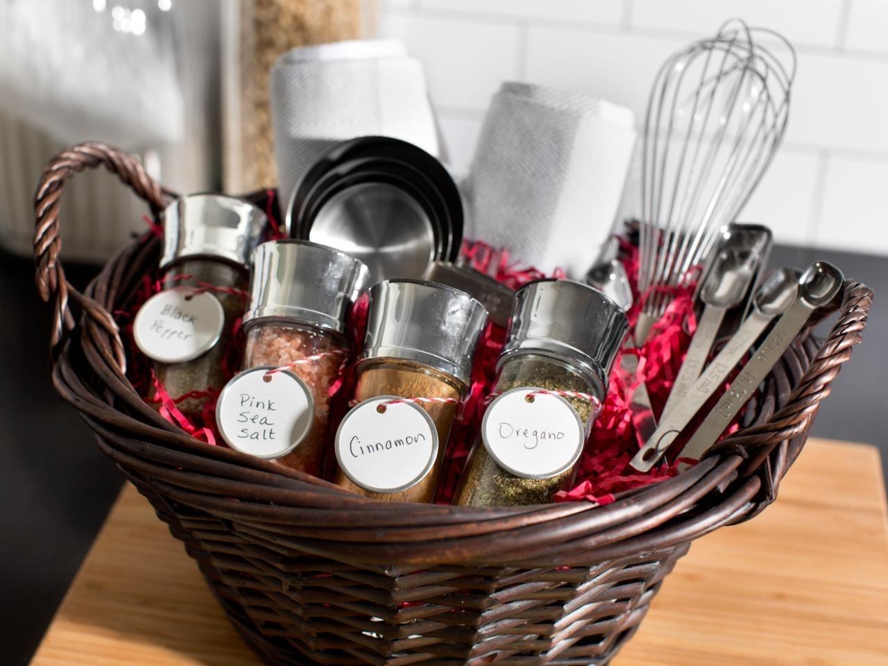 10 Fantastic Make Your Own Gift Basket Ideas %name 2021
