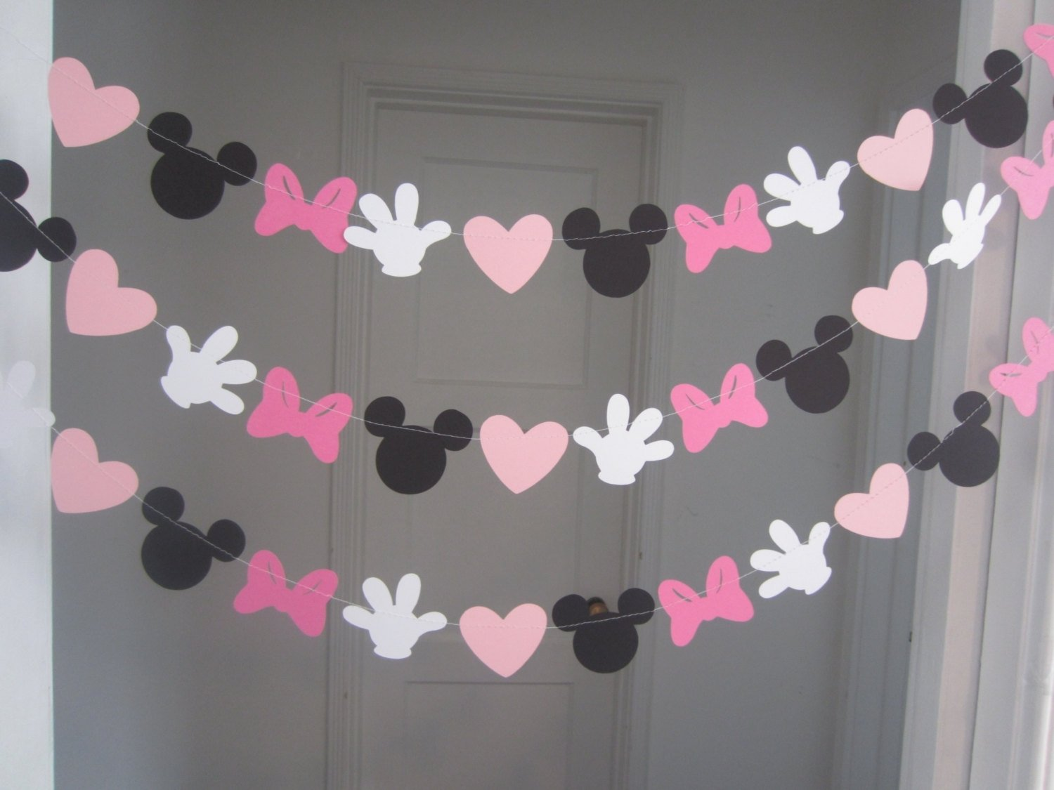 10 Ideal Minnie Mouse Party Ideas Diy 10 ft minnie mouse inspired paper garland banner decorations 1