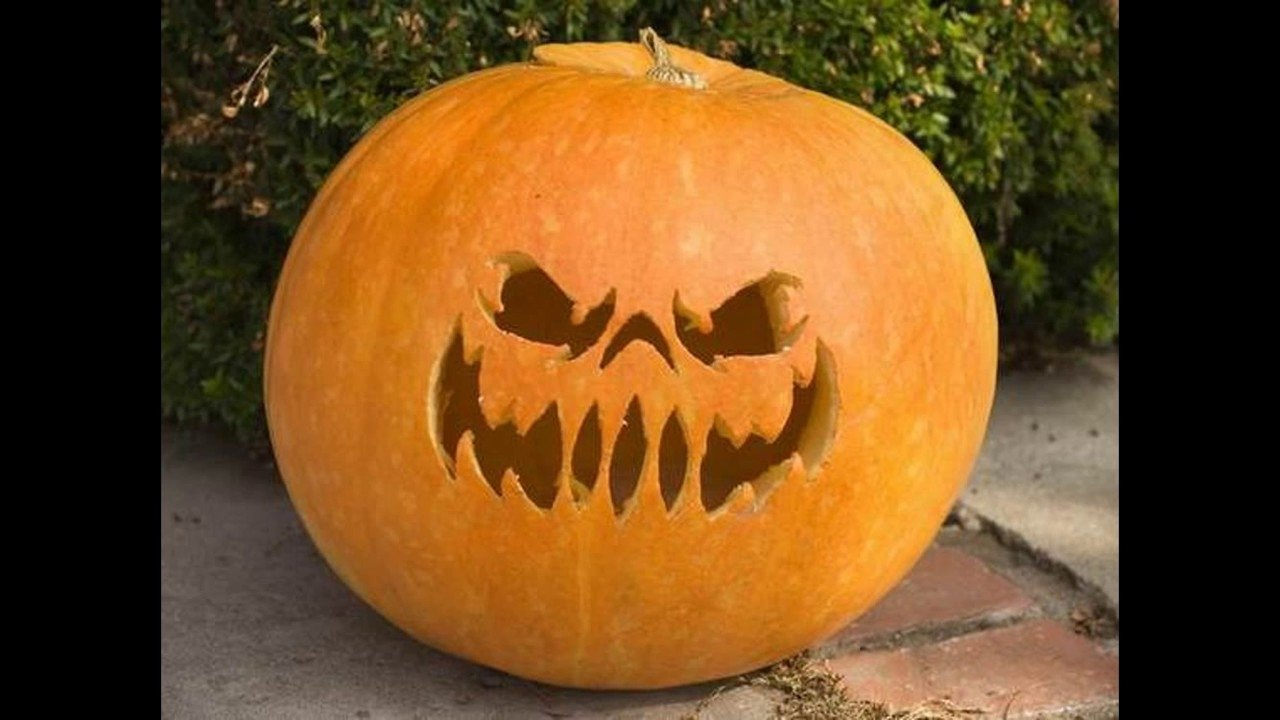 10 Perfect Easy Fun Pumpkin Carving Idea 10 funny scary and easy pumpkin carving ideas youtube 1