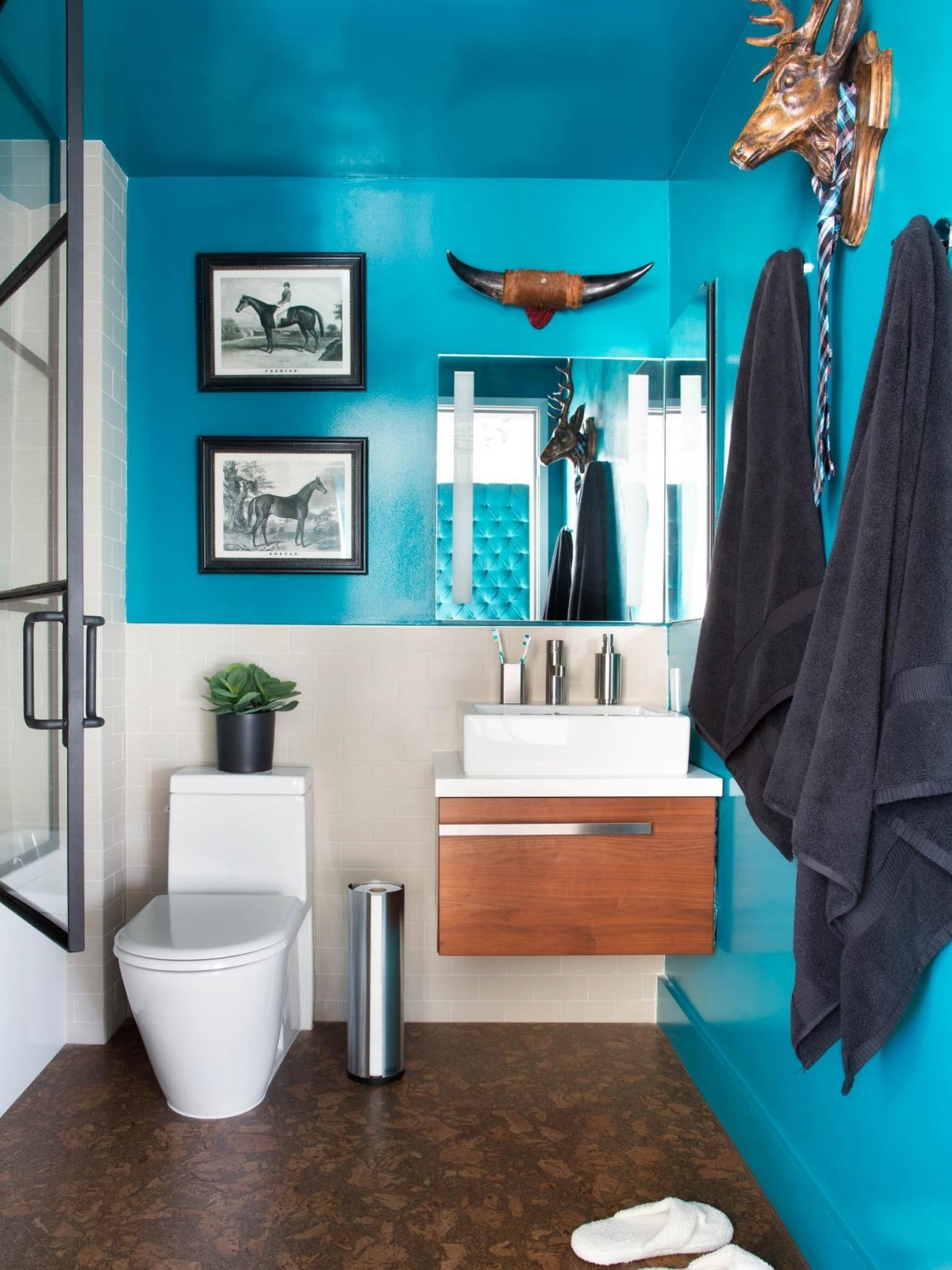 10 Famous Bathroom Color Ideas For Small Bathrooms %name 2020
