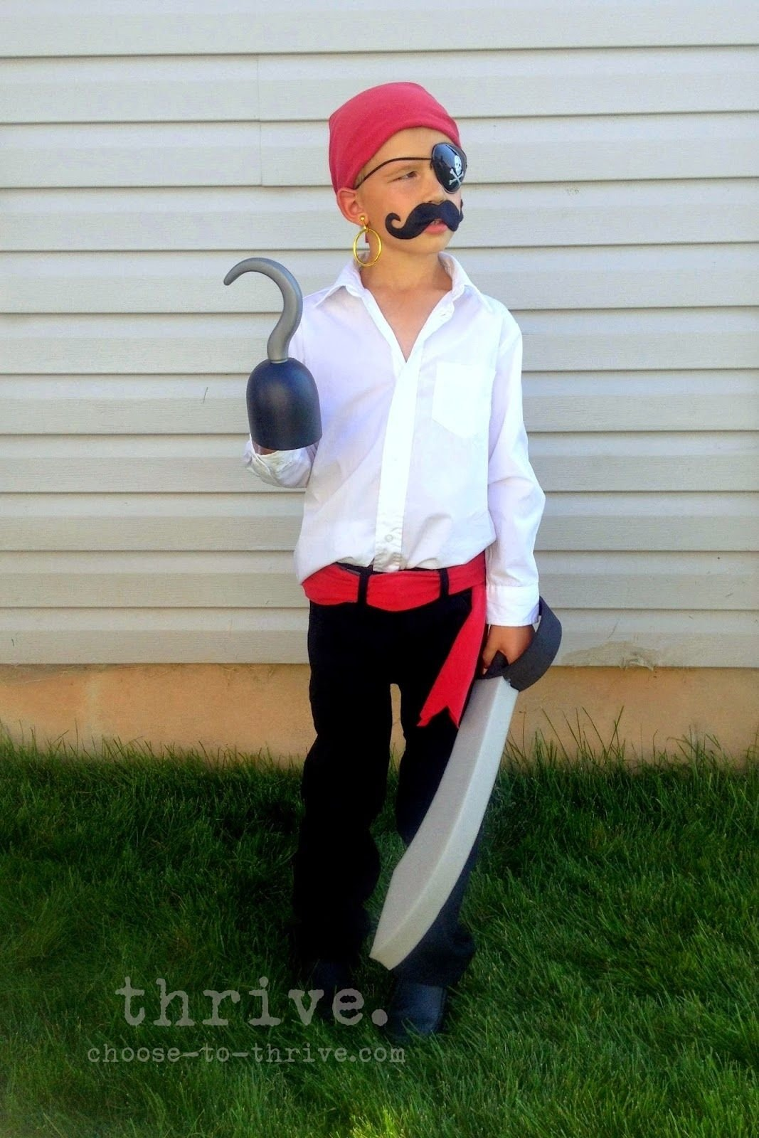 10 Attractive Homemade Pirate Costume Ideas For Kids 100 simple halloween costumes that you probably have in your closet