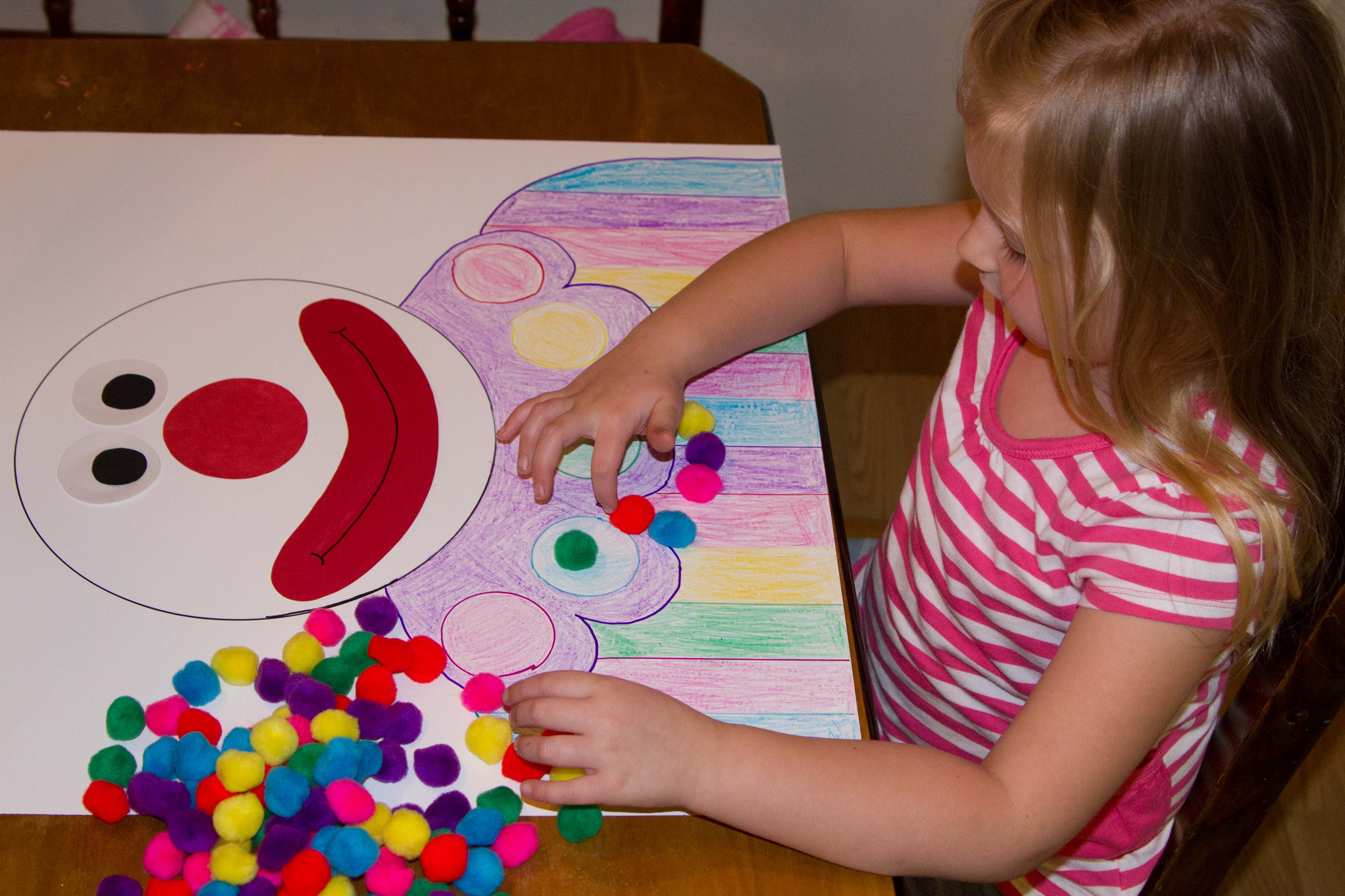 10 Cute School Project Ideas For Kids 100th day of school project hand me down ideas 11