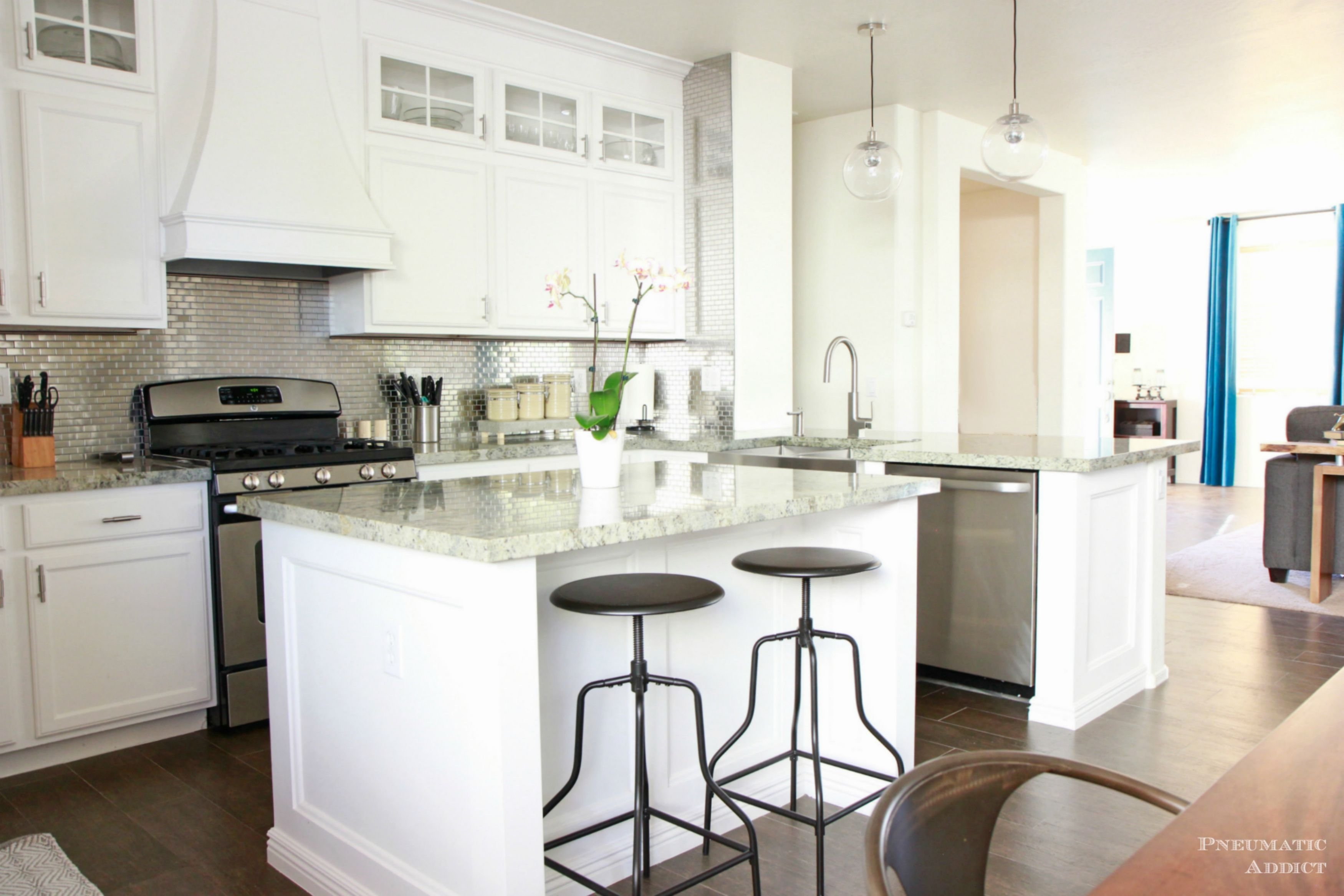 10 Gorgeous Kitchen Ideas With White Cabinets 11 best white kitchen cabinets design ideas for white cabinets 3 2020