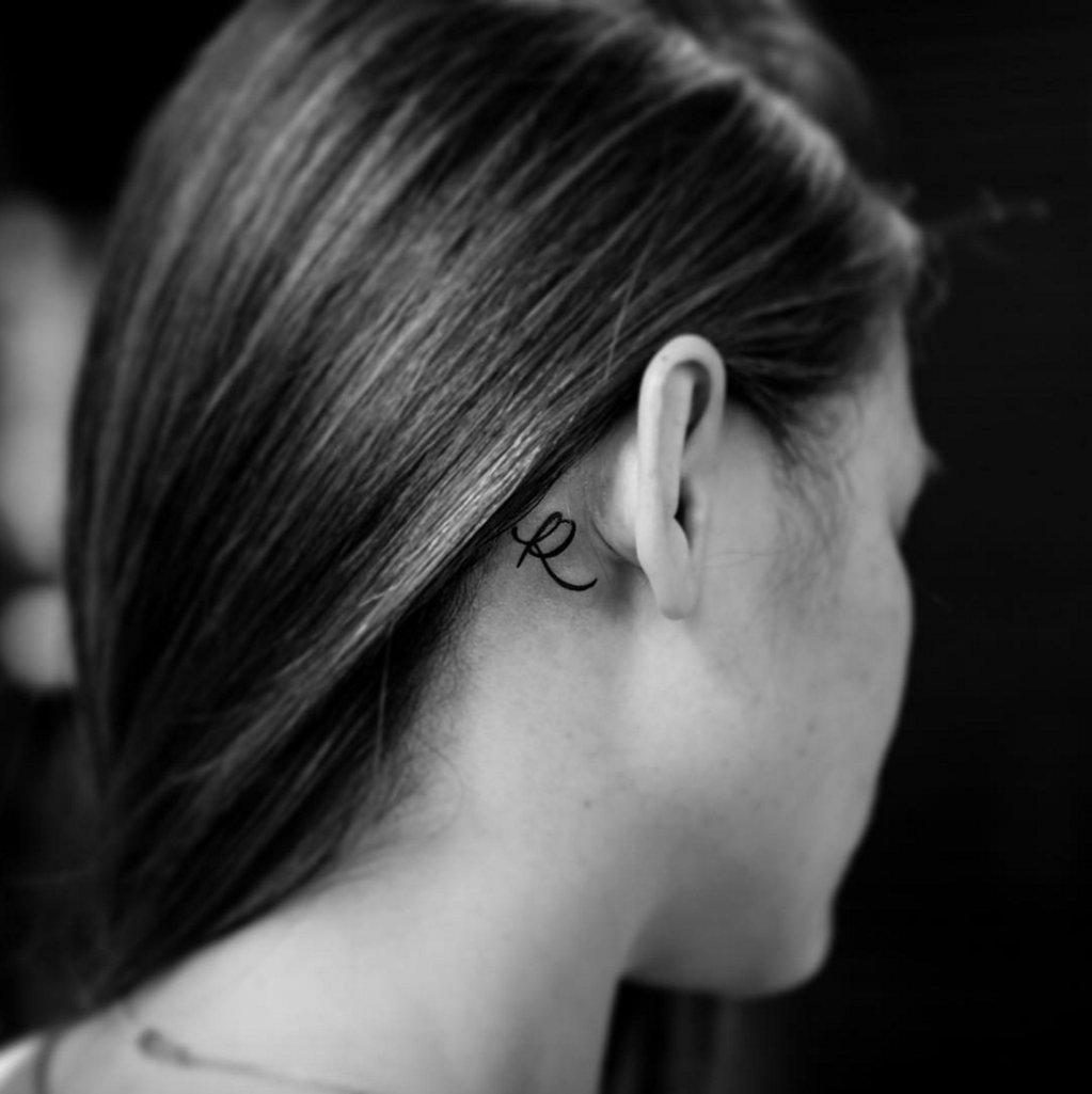 10 Perfect Behind The Ear Tattoo Ideas 11 tiny tattoo ideas for behind your ear from celebrity tattoo 4 2020