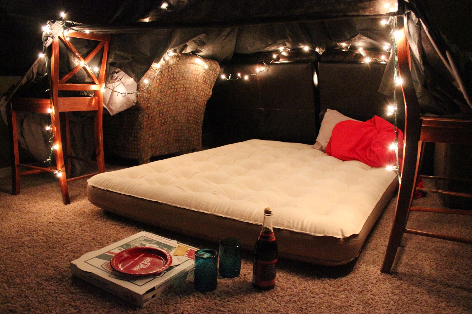 10 Fabulous Romantic Date Ideas At Home 12 months of dates january romantic fort night forts romantic 1
