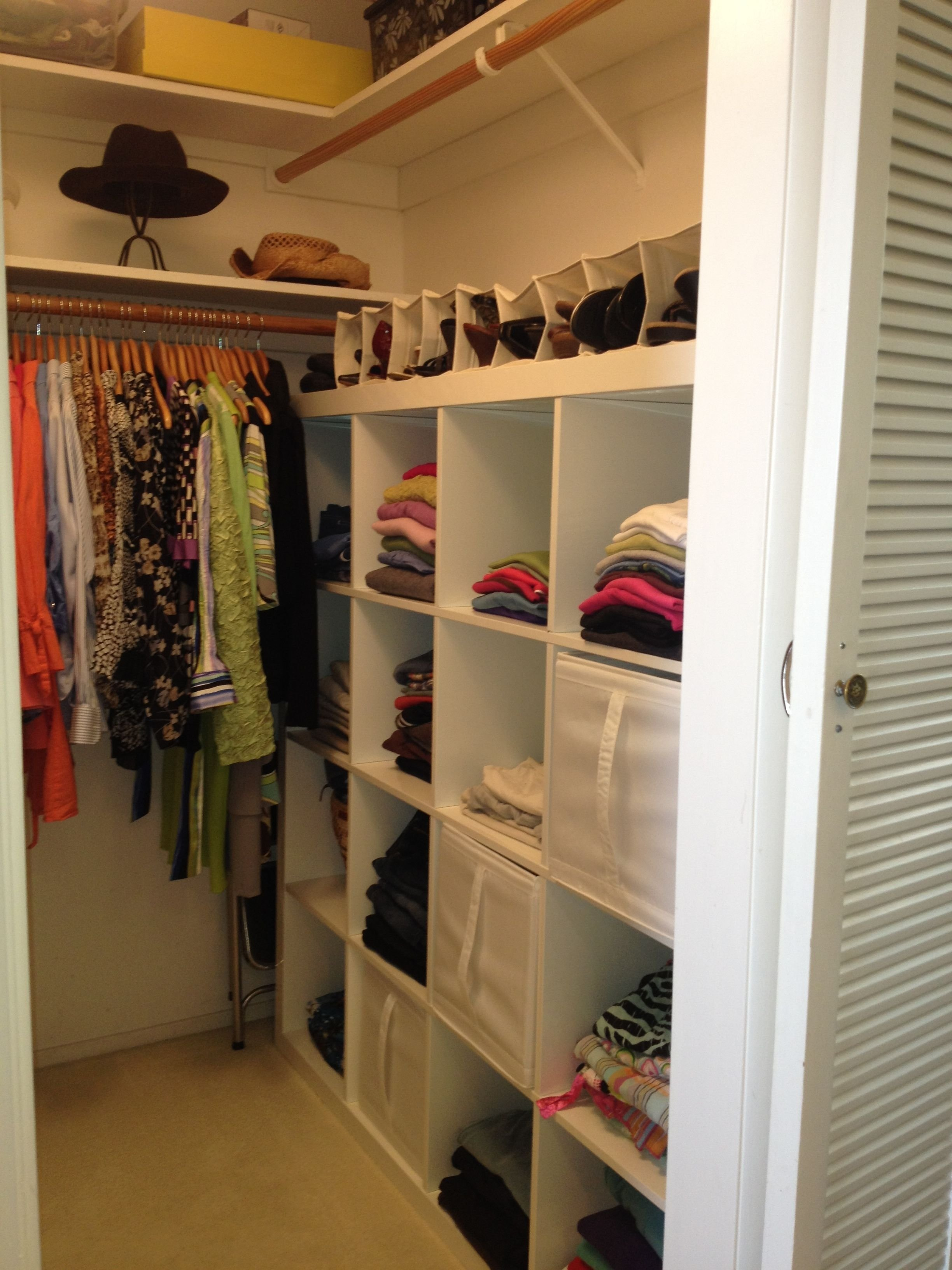 10 Fantastic Small Walk In Closet Design Ideas 12 small walk in closet ideas and organizer designs closet designs 1