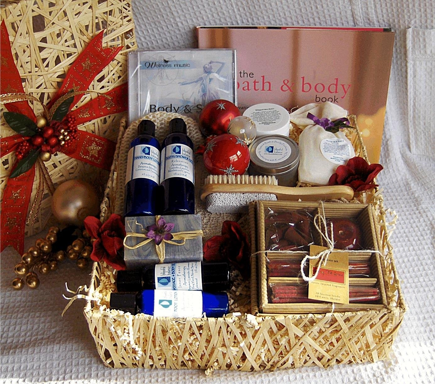 10 Trendy Gift Basket Ideas For Couples 13 gift basket ideas for your great gifts women wellnessbeauty 2020
