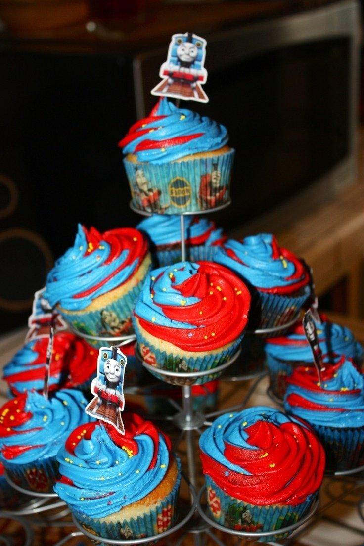 10 Amazing Thomas The Train Cakes Ideas 13 thomas the train cupcakes photo thomas train cake and cupcakes 2021