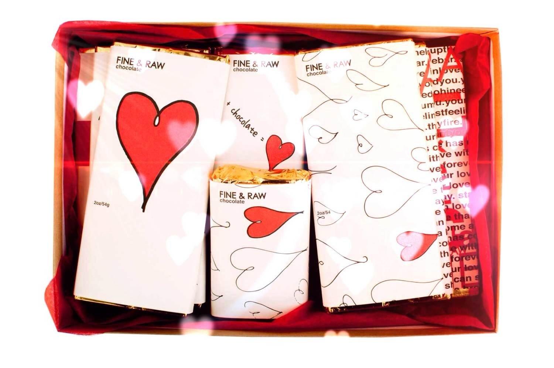 10 Elegant Gift Ideas For Valentines Day For Him 14 green gift ideas for valentines day inhabitat green design 1 2020