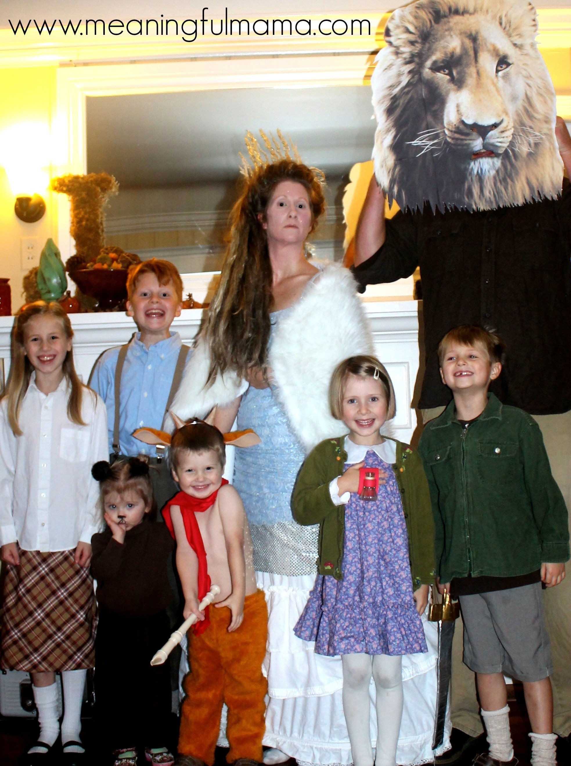 10 Perfect Family Costume Ideas For 6 15 creative family costume ideas 5 2020