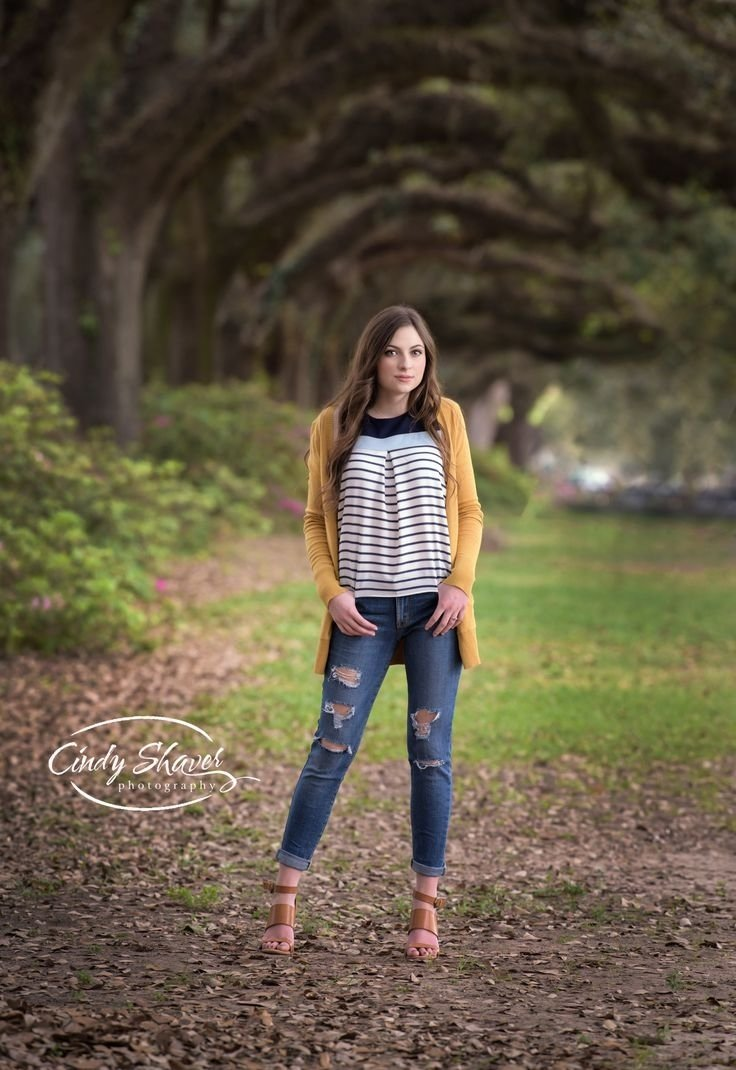 10 Pretty Senior Picture Ideas For Girls Outside 153 best alabama senior portraits images on pinterest senior