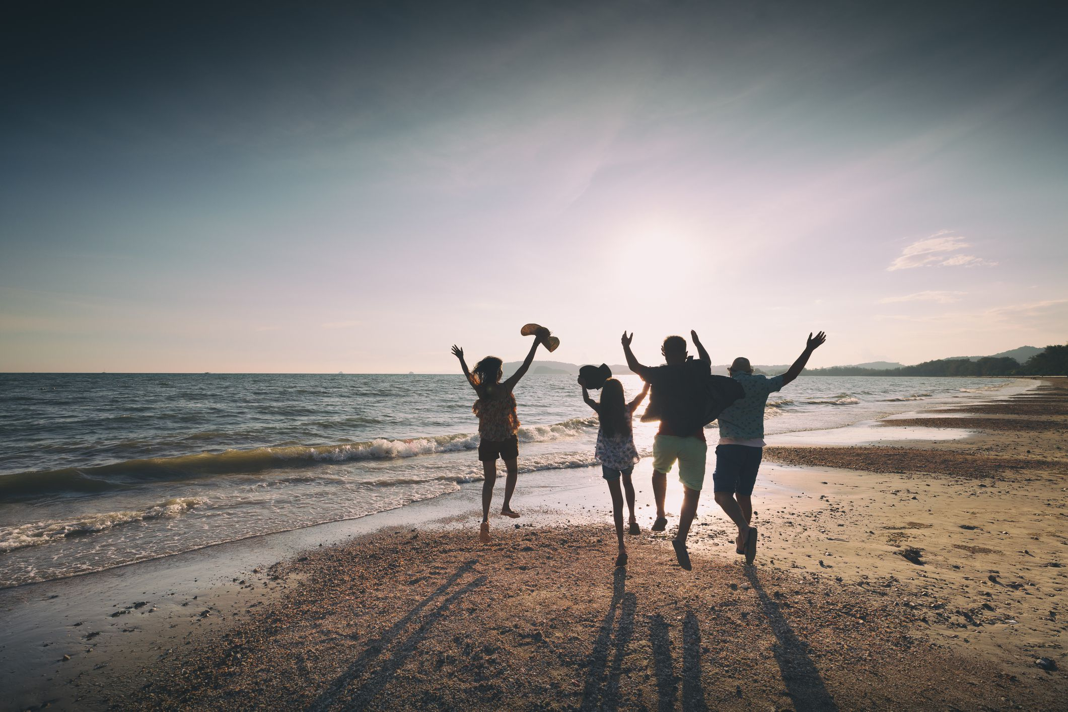 10 Fantastic Cheap Summer Vacation Ideas For Families 16 summer vacation ideas your whole family will love 2021