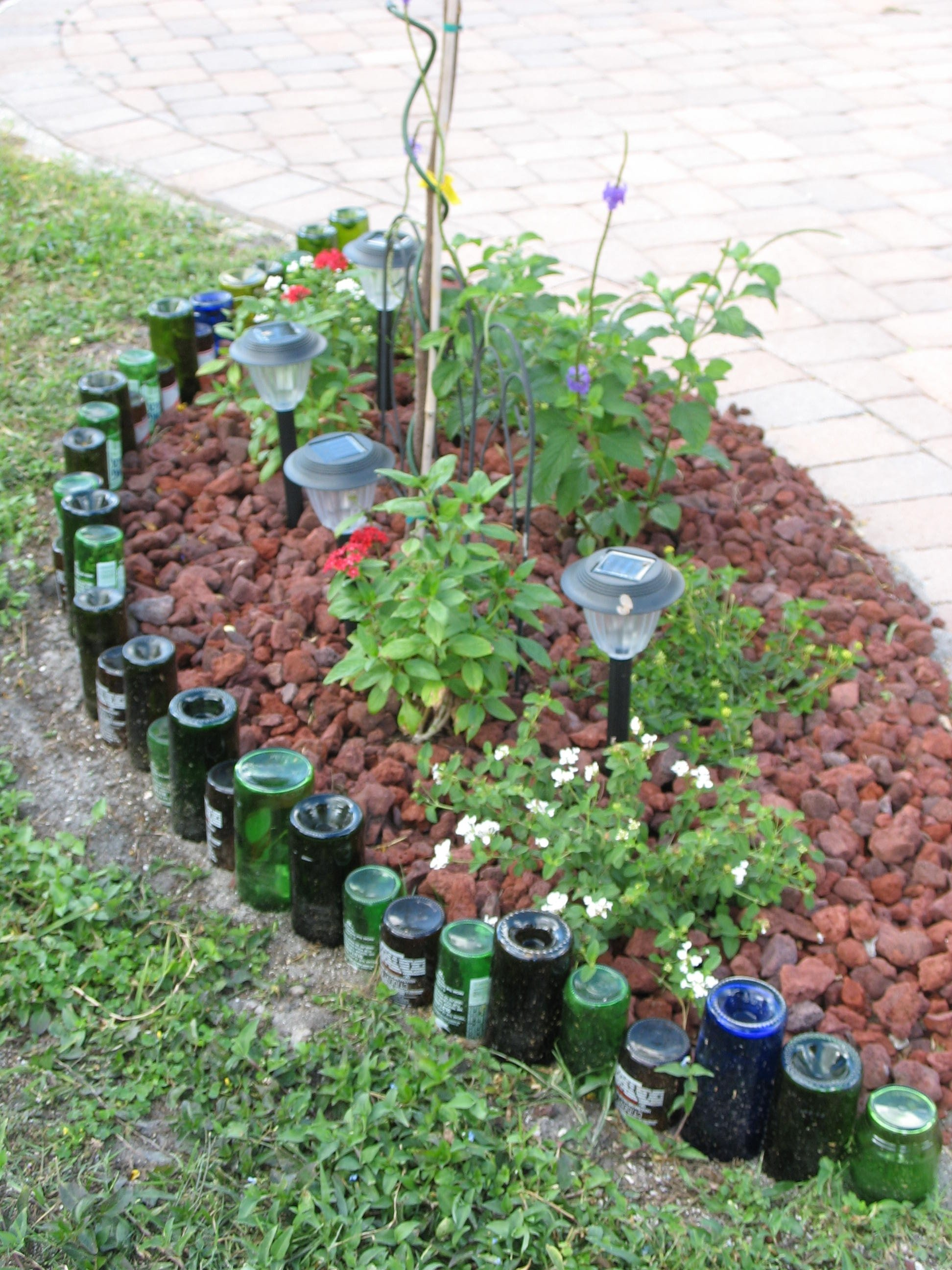 10 lovable cheap flower bed edging ideas 10 lovable cheap flower bed edging ideas 17 simple and cheap garden edging ideas for your izmirmasajfo