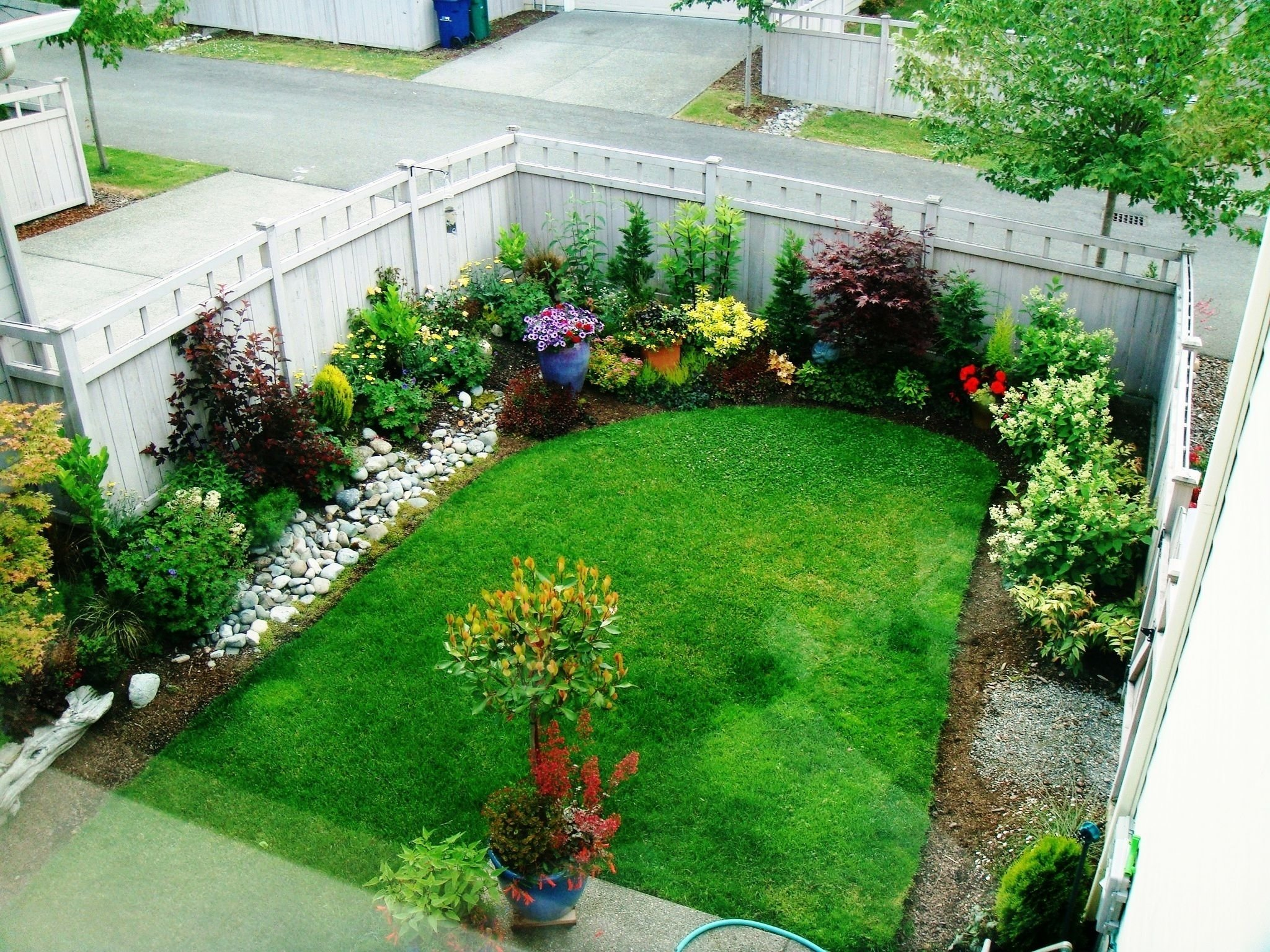 10 Attractive Landscaping Ideas For Small Yards 18 garden design for small backyard page 13 of 18 landscape 5 2020