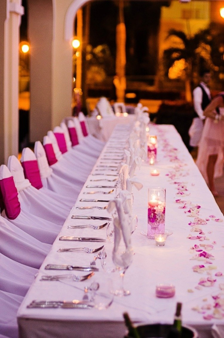 10 Cute Table Setting Ideas For Wedding 18 gorgeous beach wedding centerpieces 2021