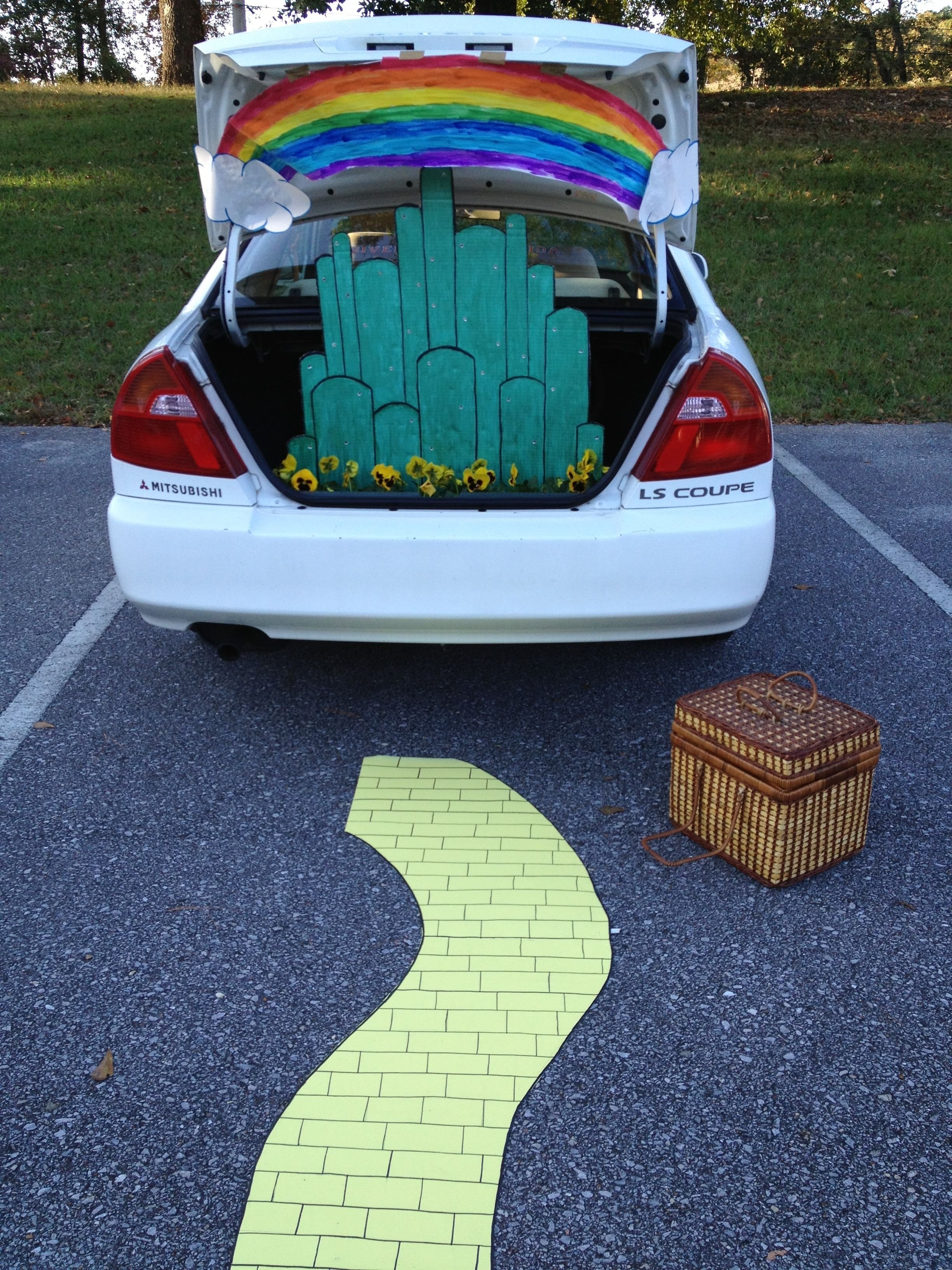 10 Perfect Easy Trunk Or Treat Decorating Ideas 19 easy and clever trunk or treat ideas churches holidays and 1 2020