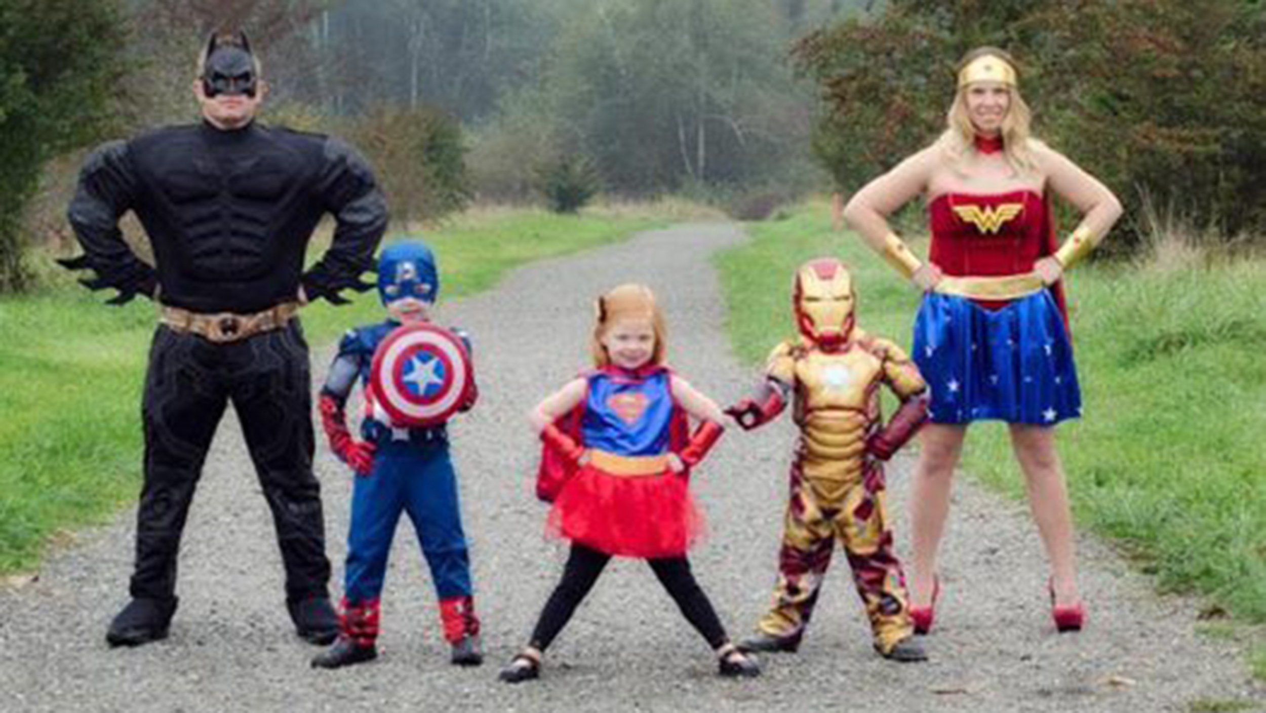10 Fantastic Family Costume Ideas For Three 19 of the cutest family theme costumes for halloween 5 2020