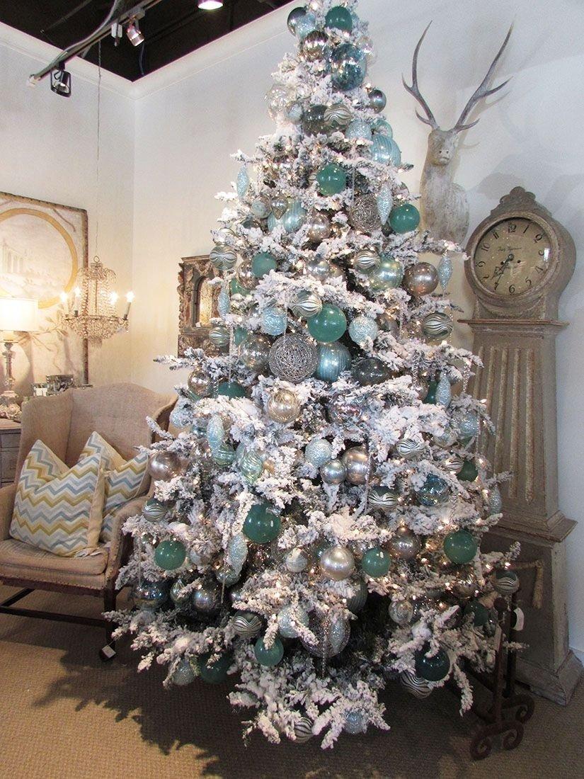 10 Elegant Flocked Christmas Tree Decorating Ideas 20 awesome christmas tree decorating ideas inspirations aqua