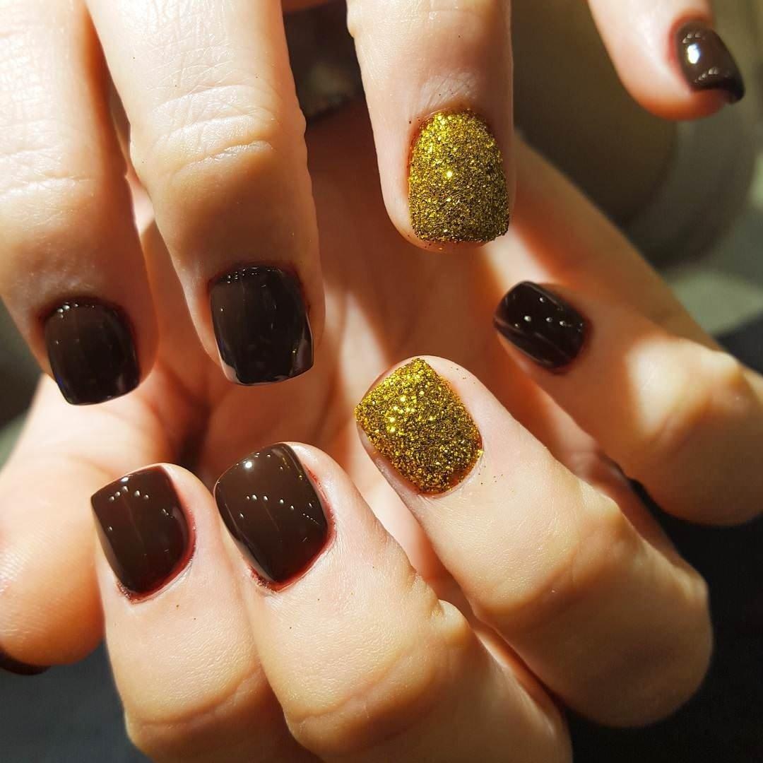 10 Elegant Nail Ideas For Short Nails