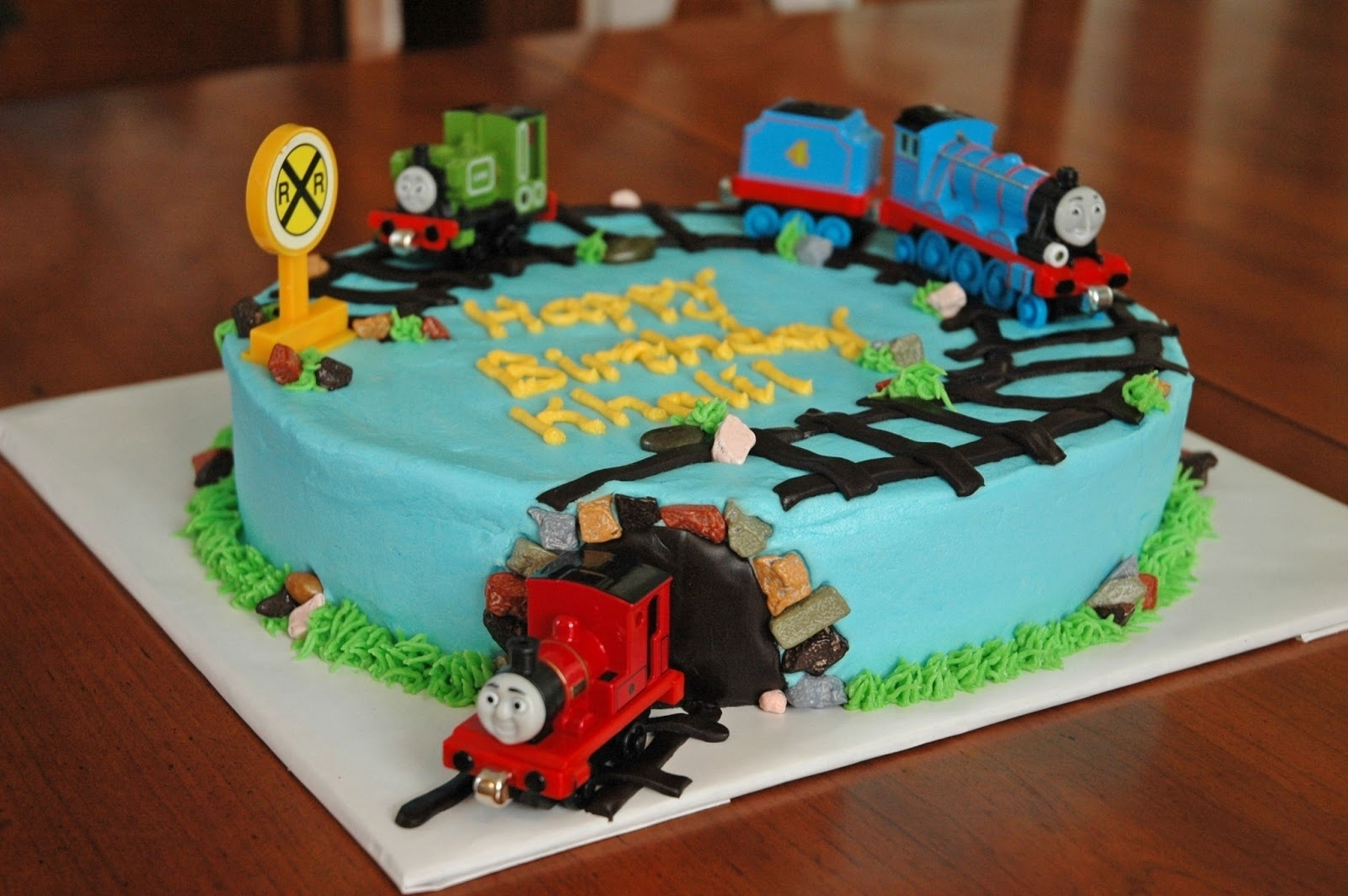 10 Amazing Thomas The Train Cakes Ideas %name 2021