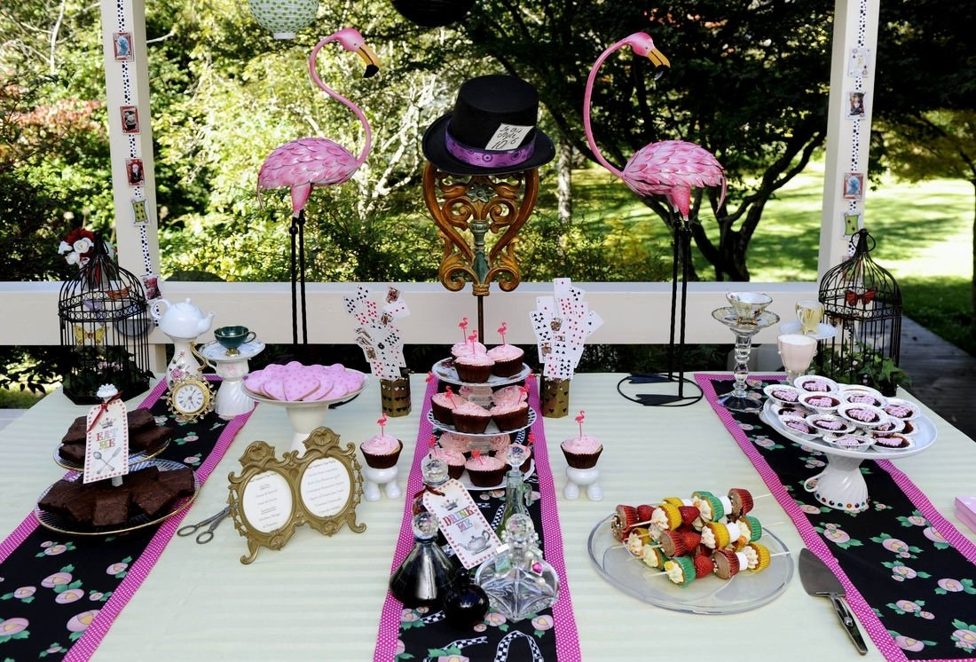 10 Stylish 21St Birthday Party Ideas For Her 21st Themes Decorating Of