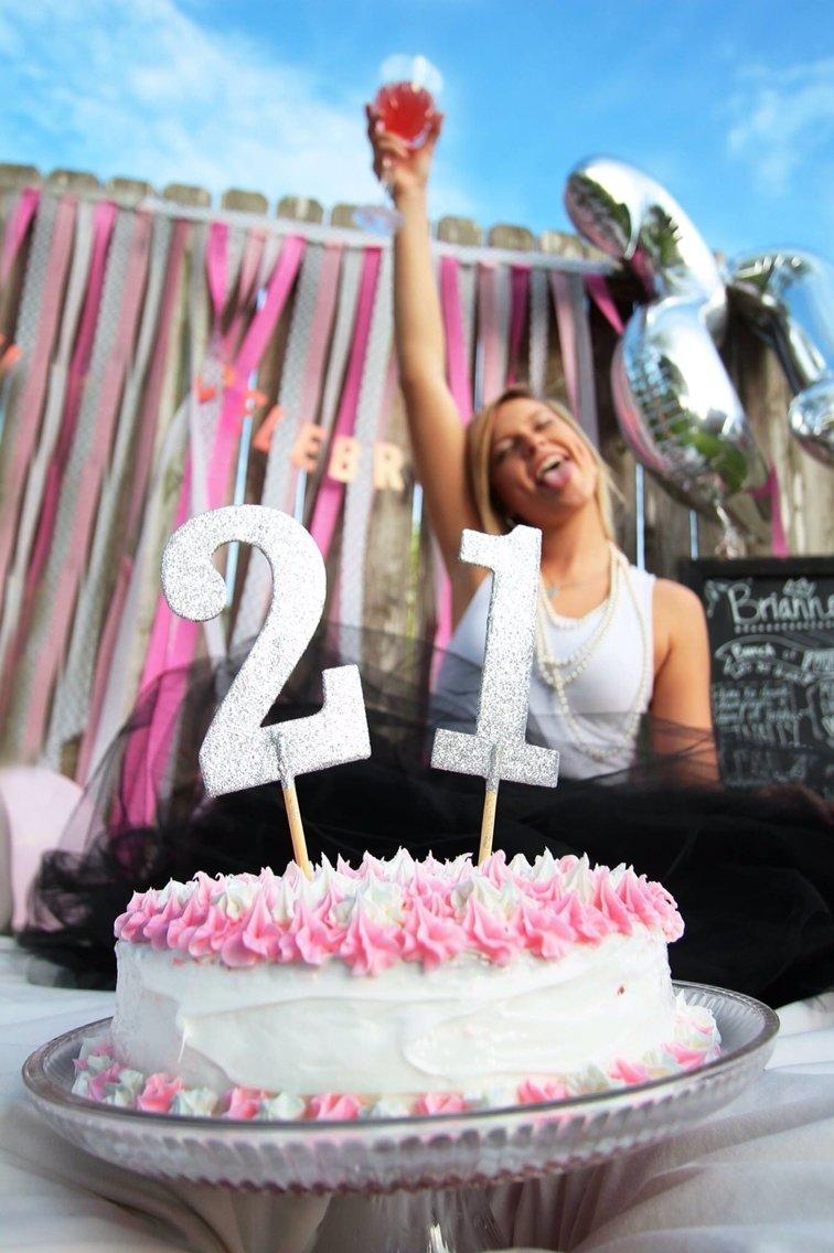 10 Famous Fun Ideas For 21St Birthday 21st birthday photos adult cake smash family photo ideas 2020