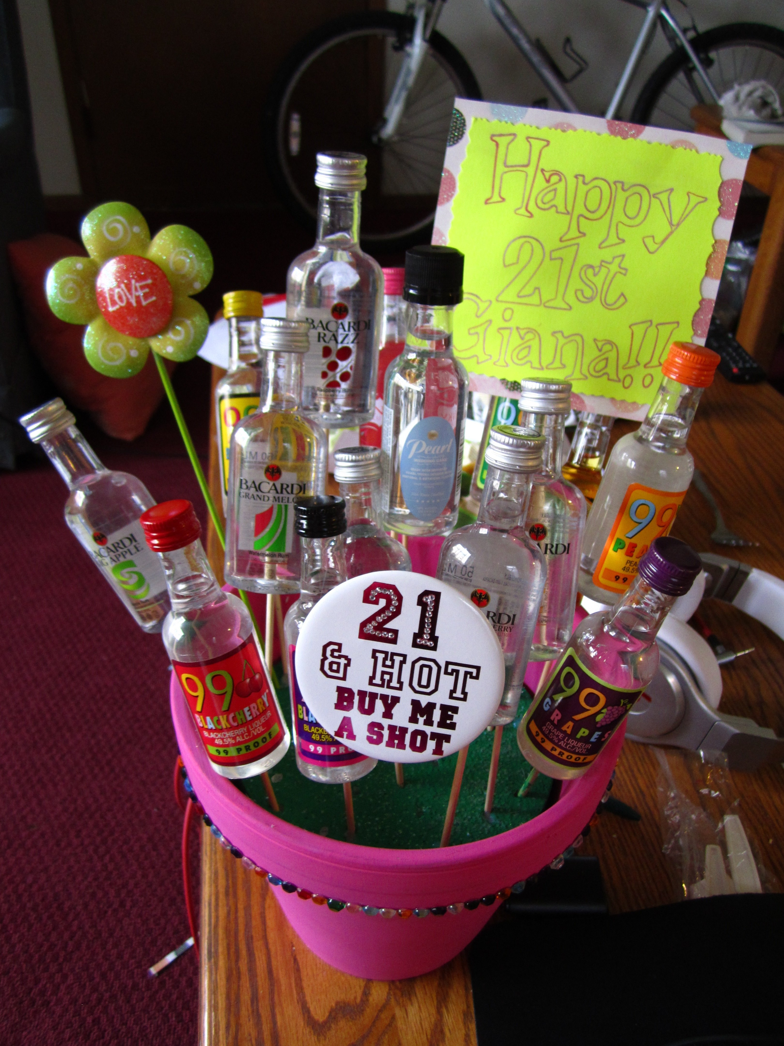10 Trendy 21 Birthday Gift Ideas For Her 21st Present My Best Friend Crafty