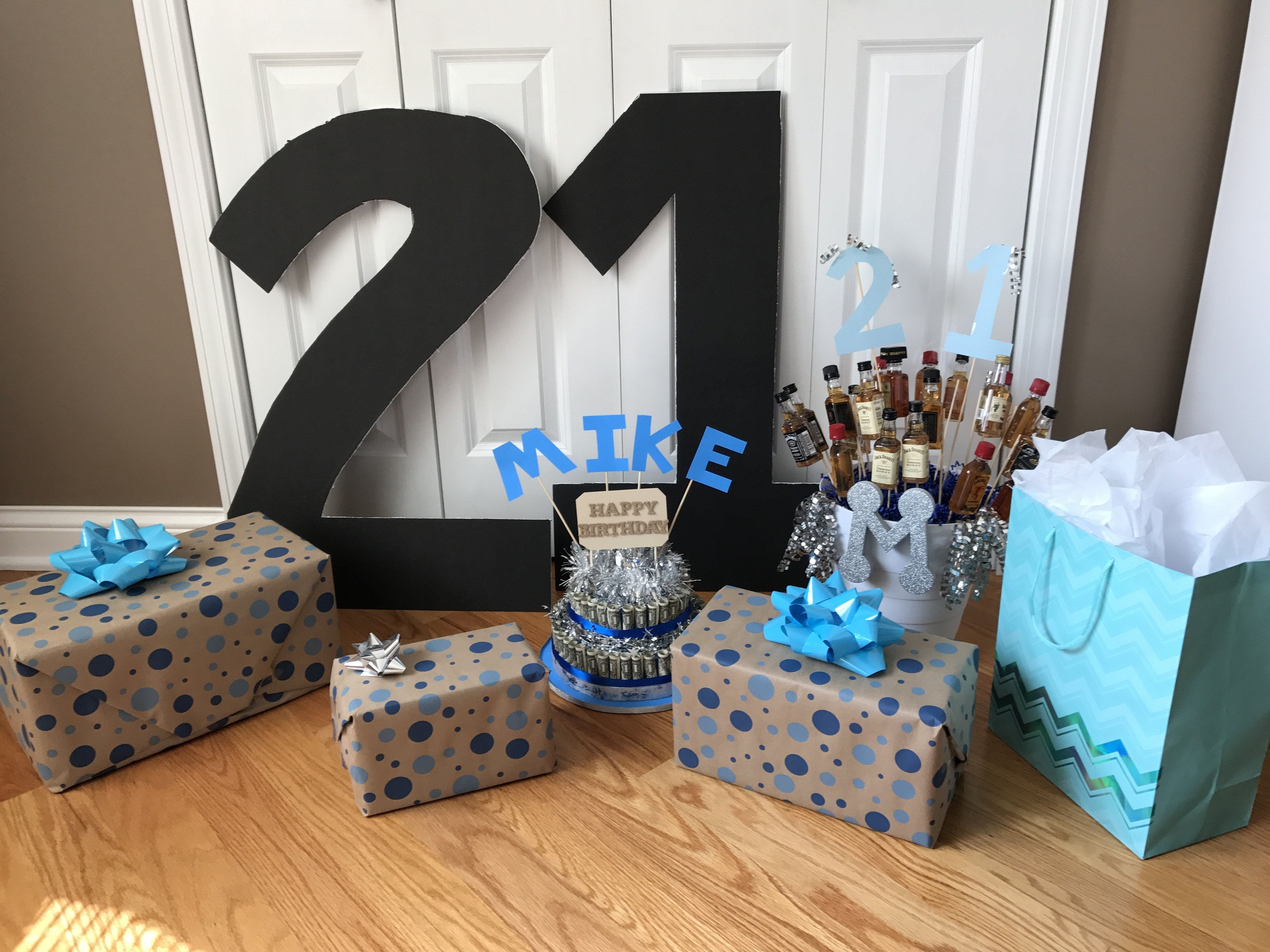 10 Attractive 21 Birthday Gift Ideas For Him 21st Surprise Gifts Boyfriend