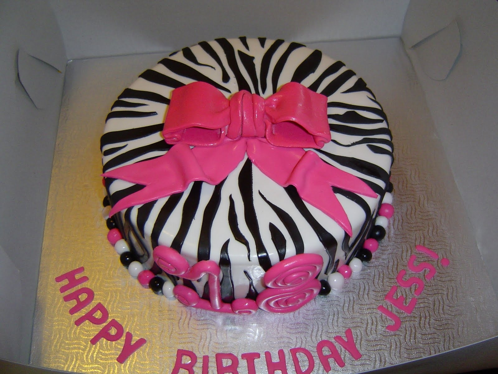 10 Fabulous Birthday Party Ideas For 18 Year Old Female Name