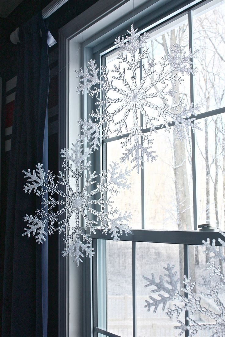 10 Fabulous Christmas Decorating Ideas For Windows 24 best holiday window decorations images on pinterest christmas 2020