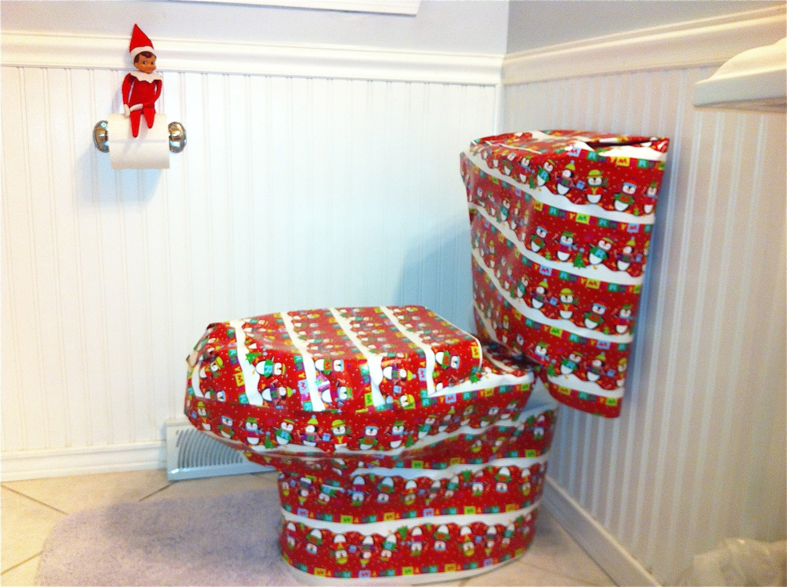 10 Pretty Ideas For Elf On A Shelf 25 elf on the shelf quick and easy ideas that take under 5 mins 2 2021