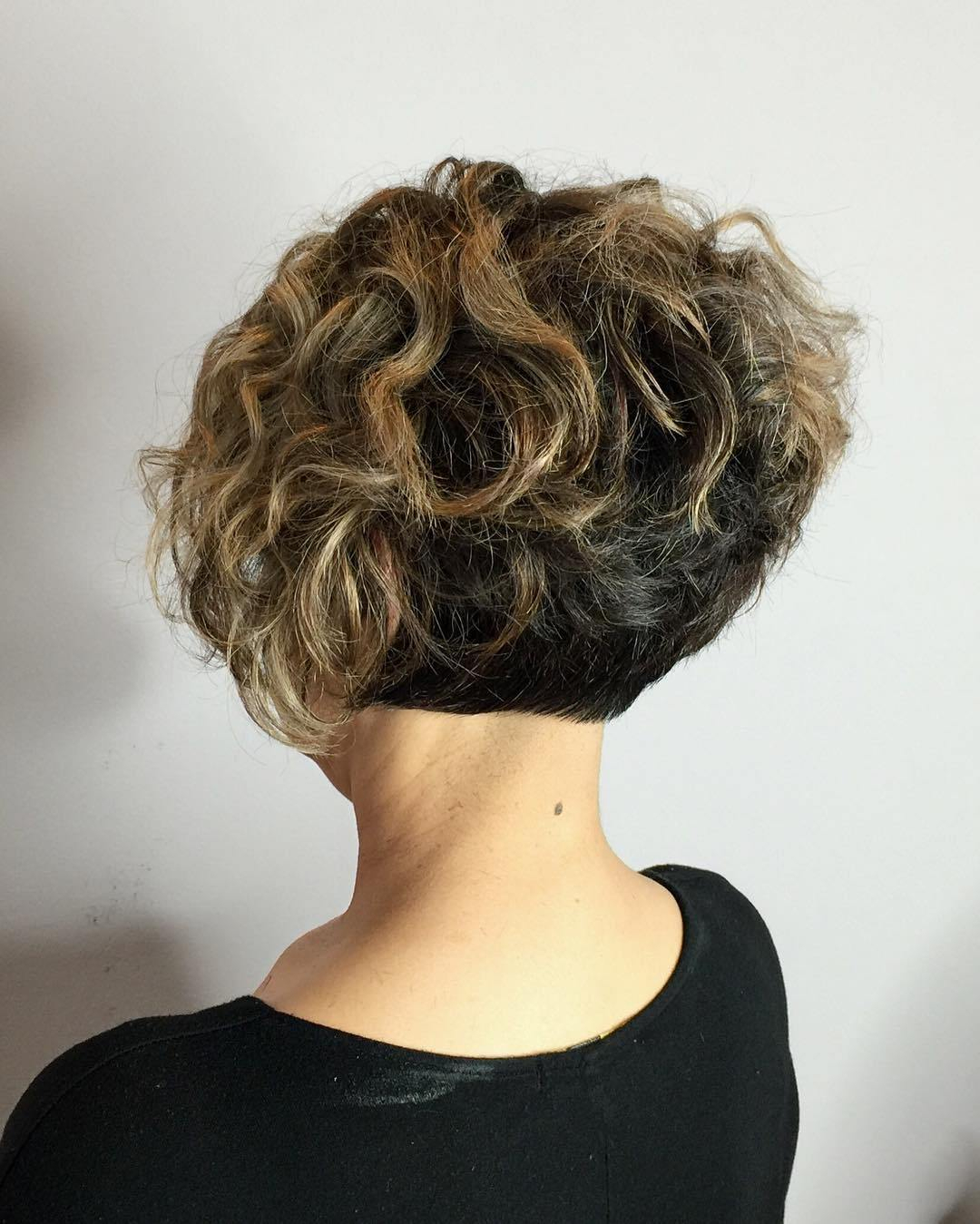 10 Trendy Ideas For Short Curly Hair 25 lively short haircuts for curly hair short wavy curly hairstyle 3 2020