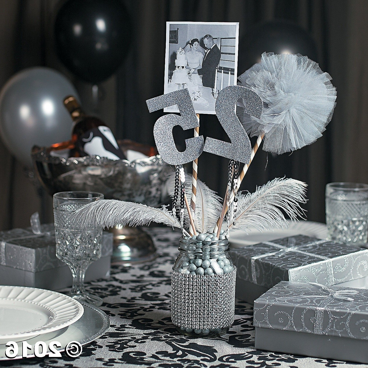10 Gorgeous 25Th Wedding Anniversary Party Ideas 25th wedding anniversary decoration ideas elegant 25th anniversary 2021
