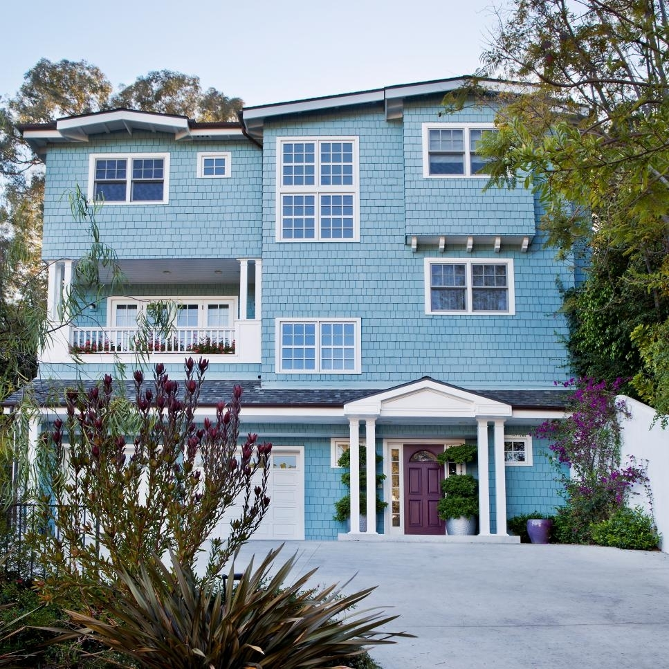 10 Fantastic Exterior Paint Ideas For Homes %name 2021