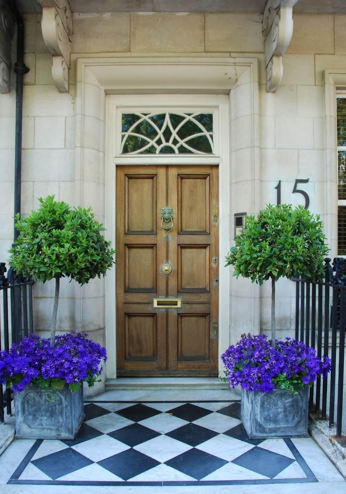 10 Fashionable Flower Pot Ideas For Front Porch 29 best front door flower pots ideas and designs for 2018 7 2021