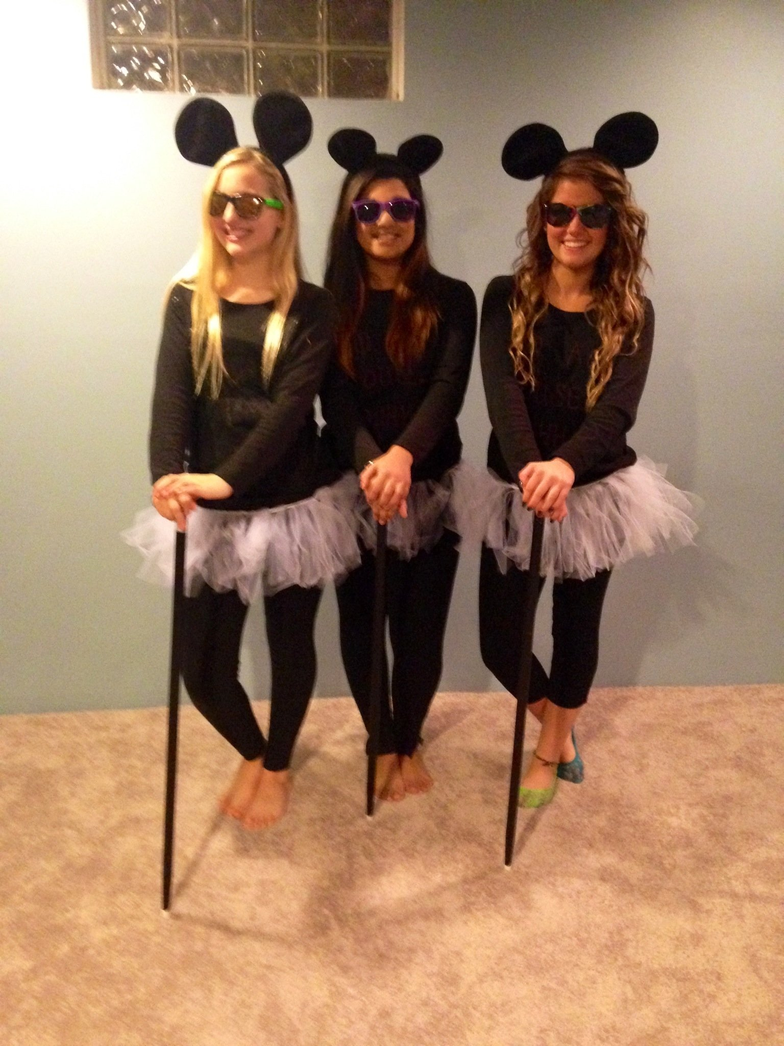 10 Fantastic Halloween Costume Ideas For Three Girls 3 blind mice diy halloween costumes for girls celebrate