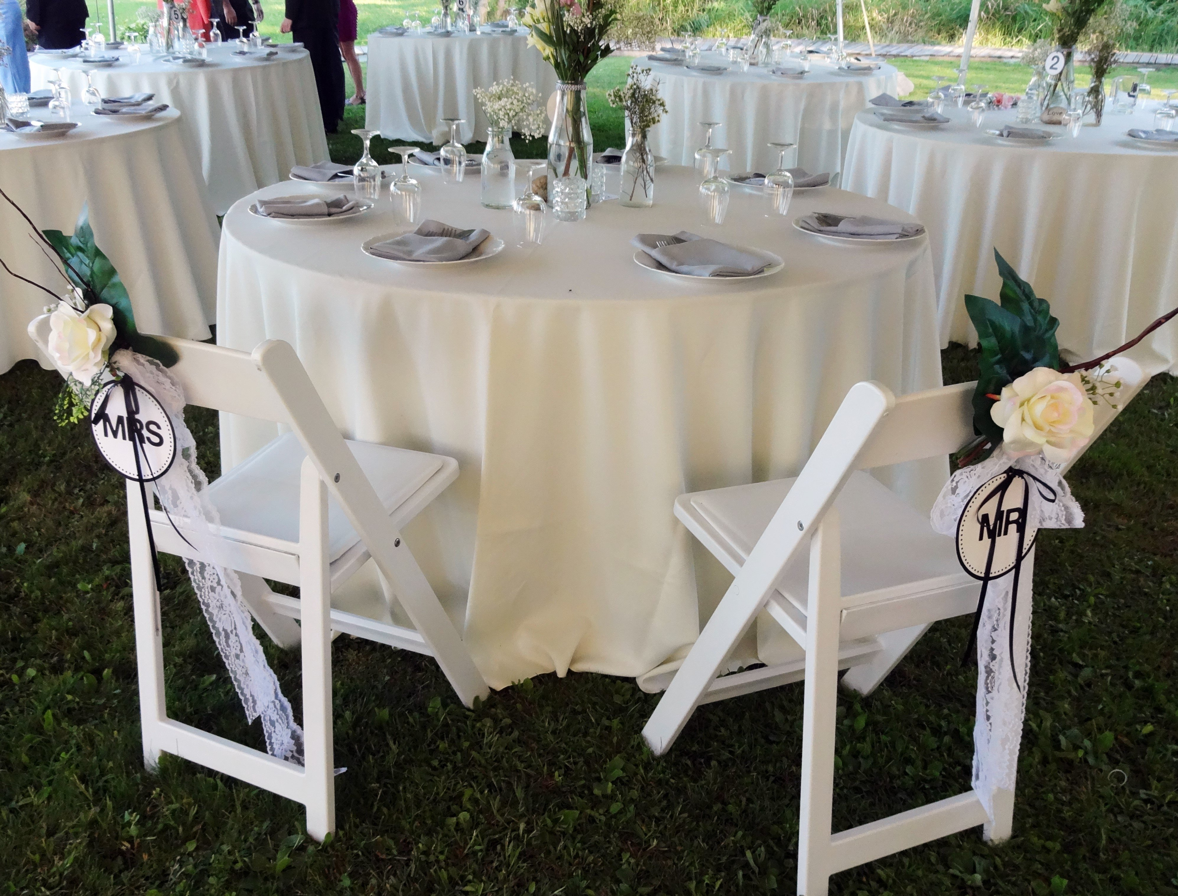 10 Lovable Bride And Groom Table Decoration Ideas 3 head table ideas for your wedding reception ottawa wedding journal 2020