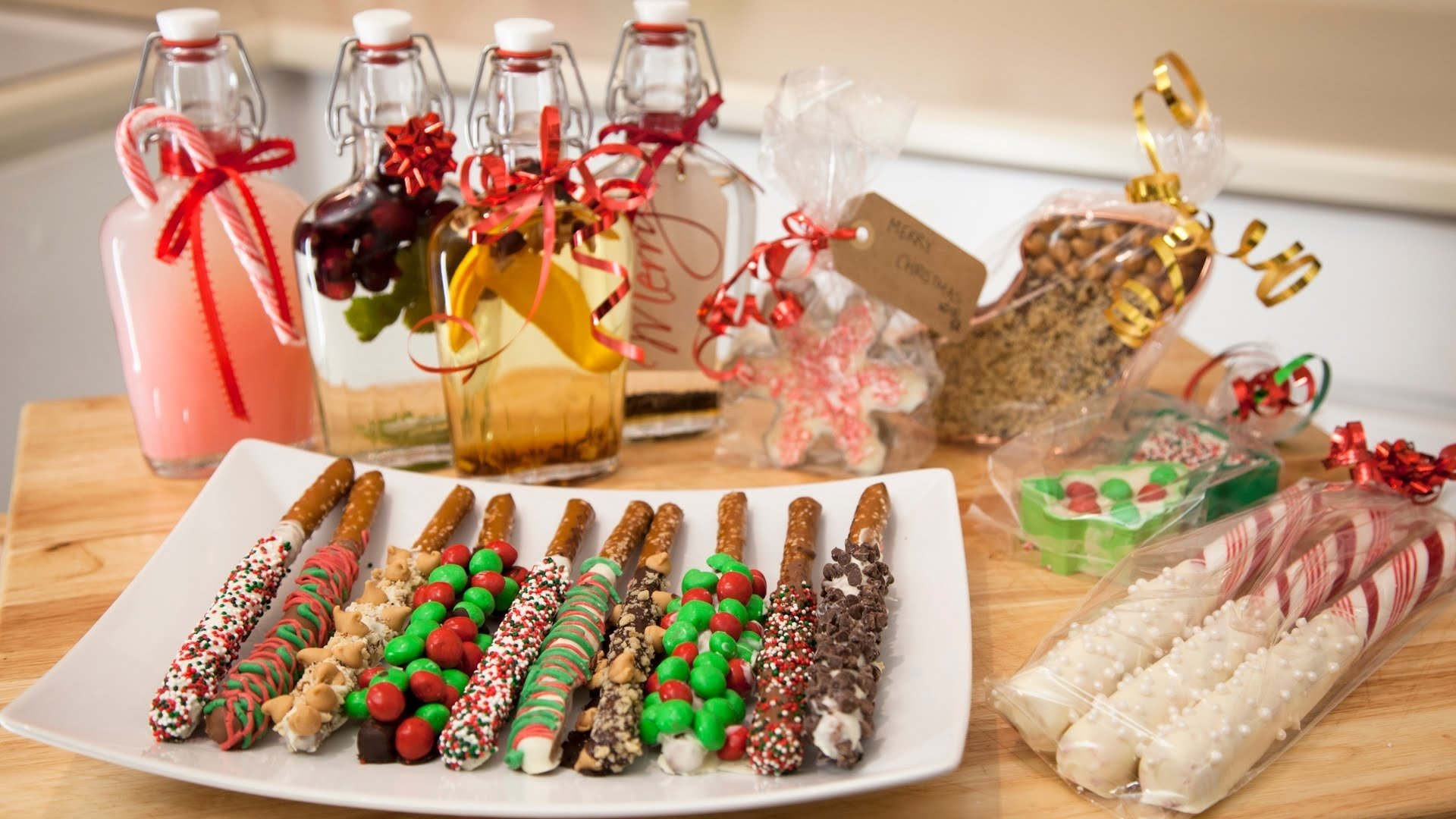 10 Elegant Food Gift Ideas For Christmas 3 holiday edible gift ideas chocolate pretzels cookie cutter 2020
