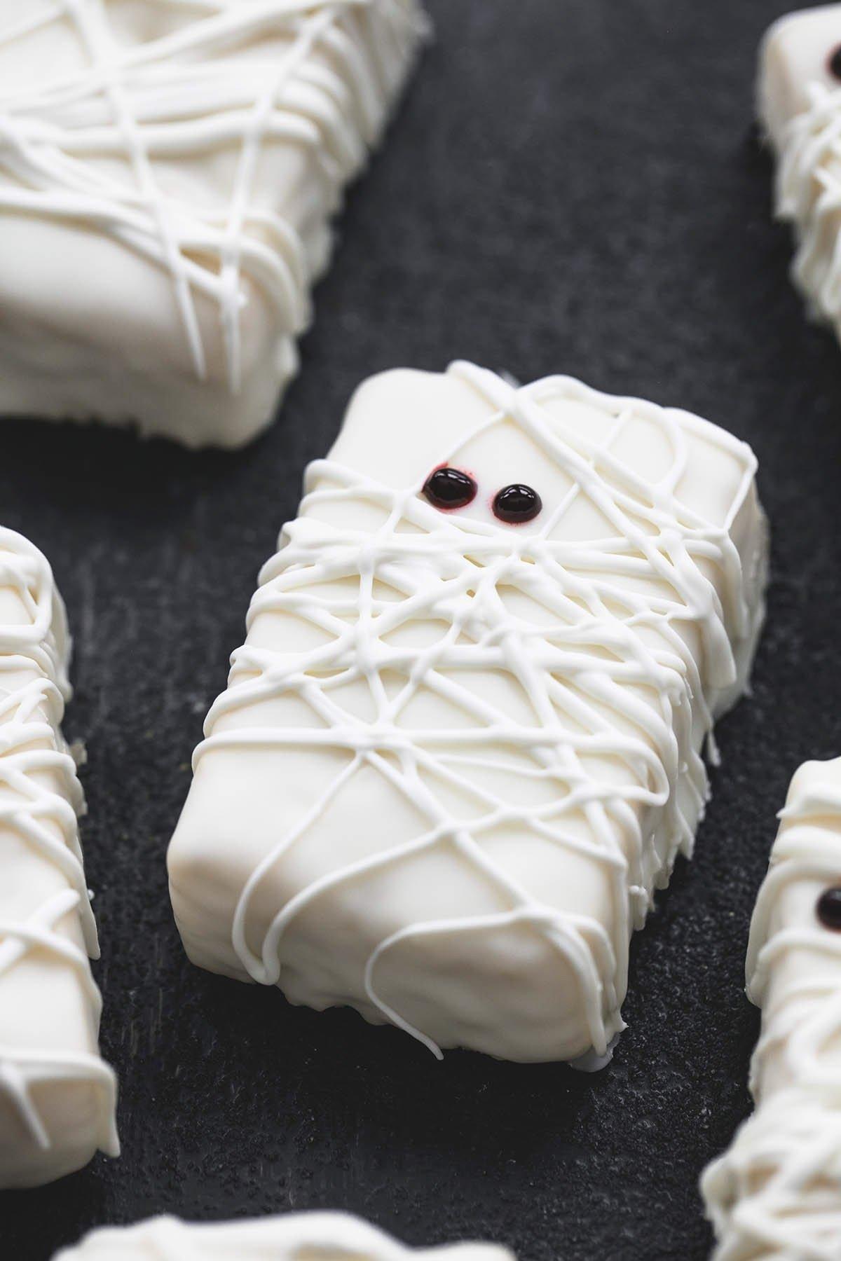 10 Great Halloween Rice Krispie Treat Ideas 3 ingredient rice krispie treat mummies creme de la crumb 2020