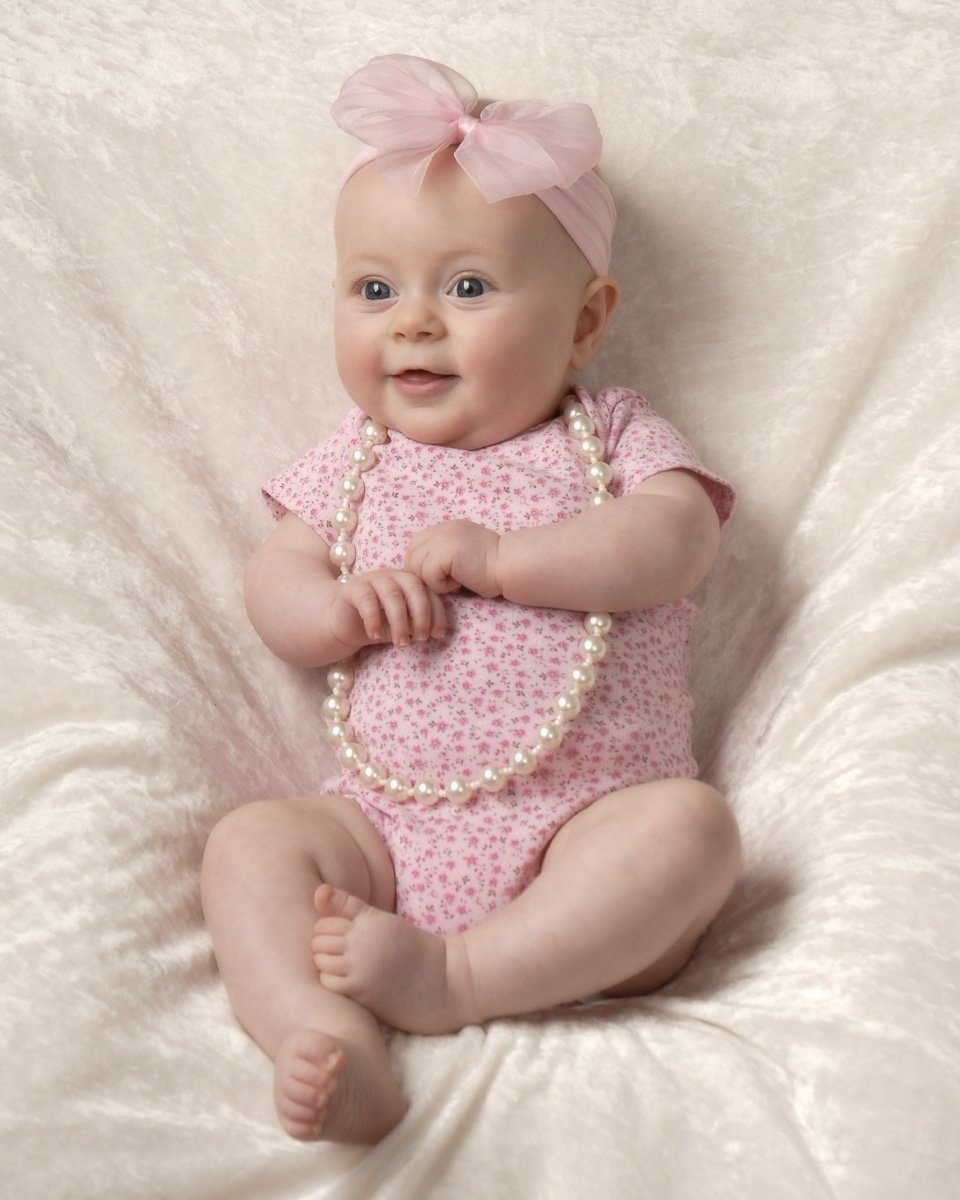 10 Elegant 3 Month Baby Photo Shoot Ideas 3 month baby photograph of girl sitting up cleary creative photography 2 2021