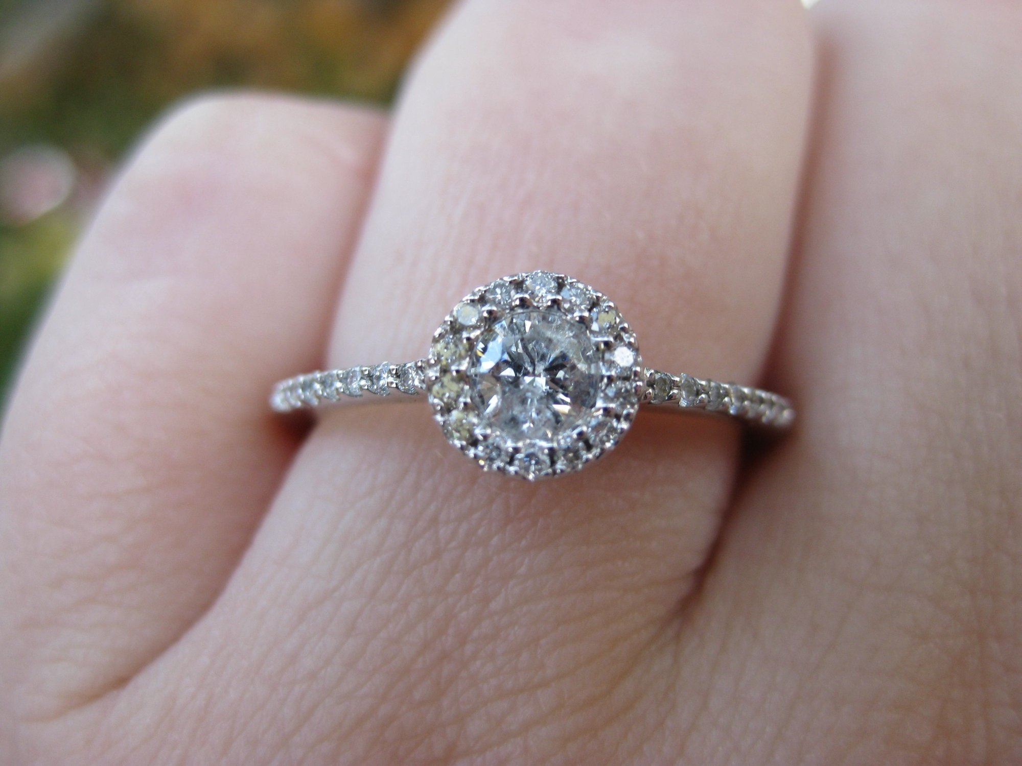 10 Stunning Non Diamond Engagement Ring Ideas 3 reasons not to get an engagement ring fun unique wedding ideas 2020