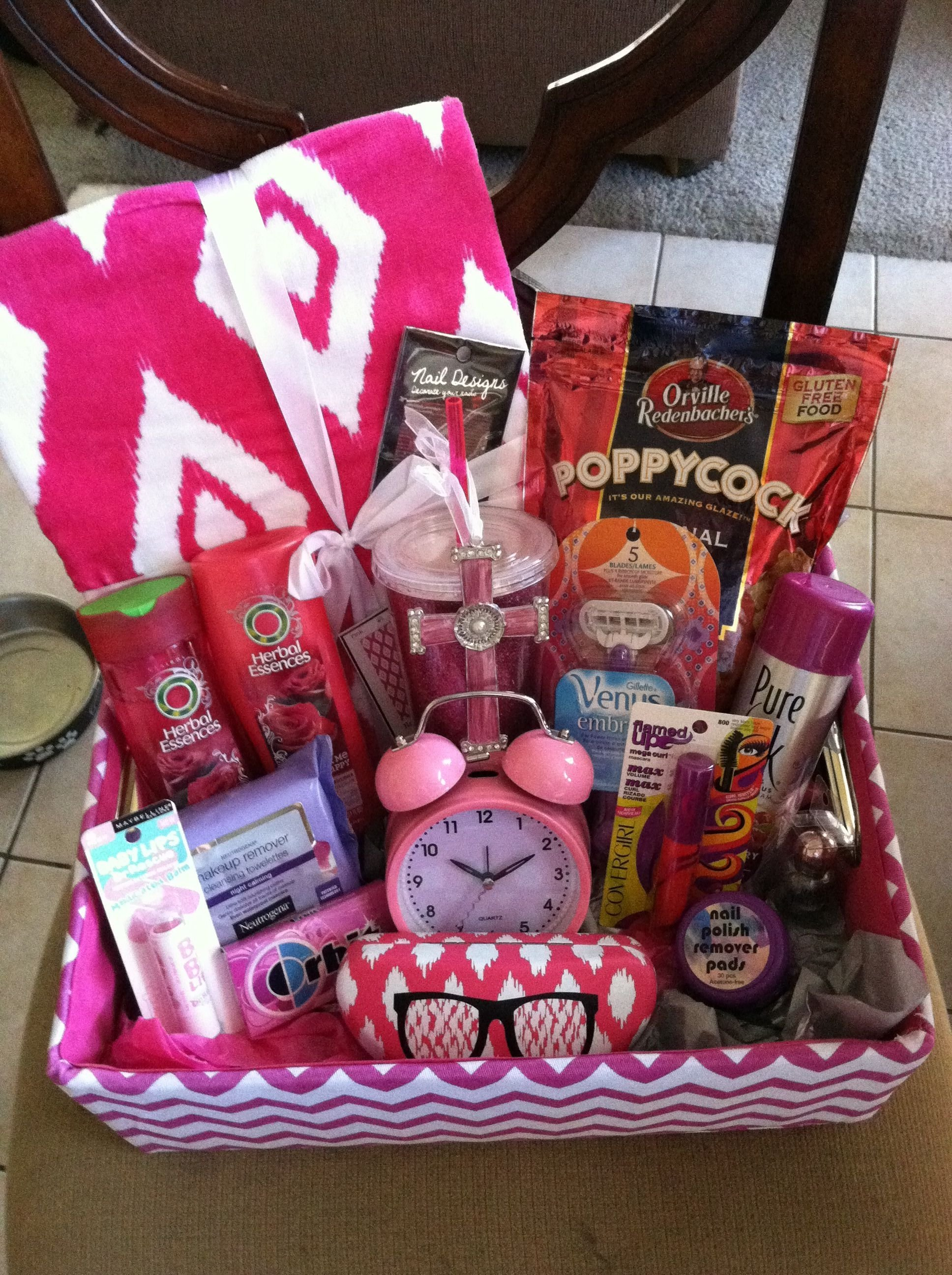 10 Stunning Birthday Gift Basket Ideas For Her 30 Christmas Baskets All Your Loved