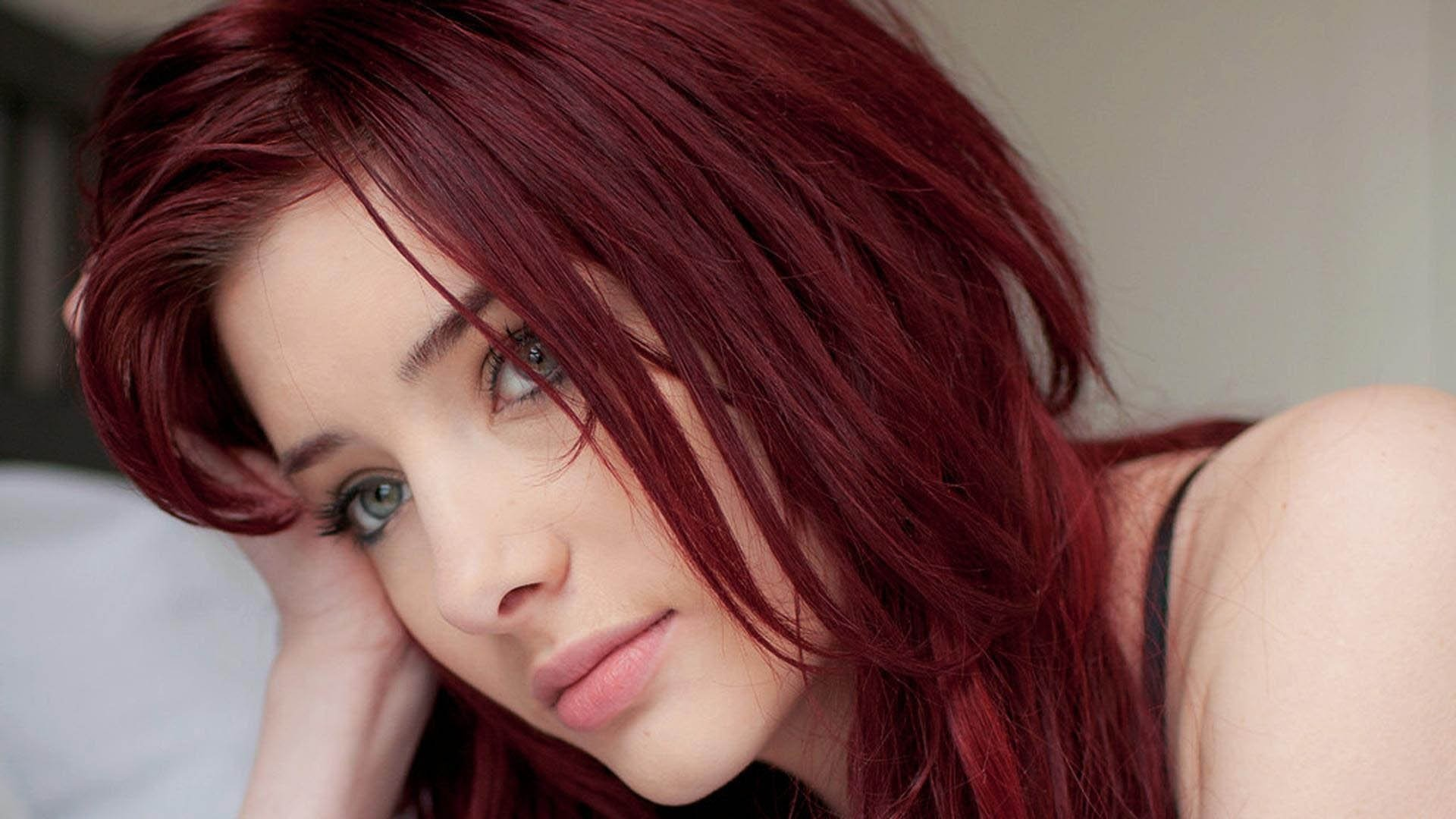 10 Ideal Hair Color Ideas For Redheads 30 dark red hair color ideas sultry showstopping styles 1 2020