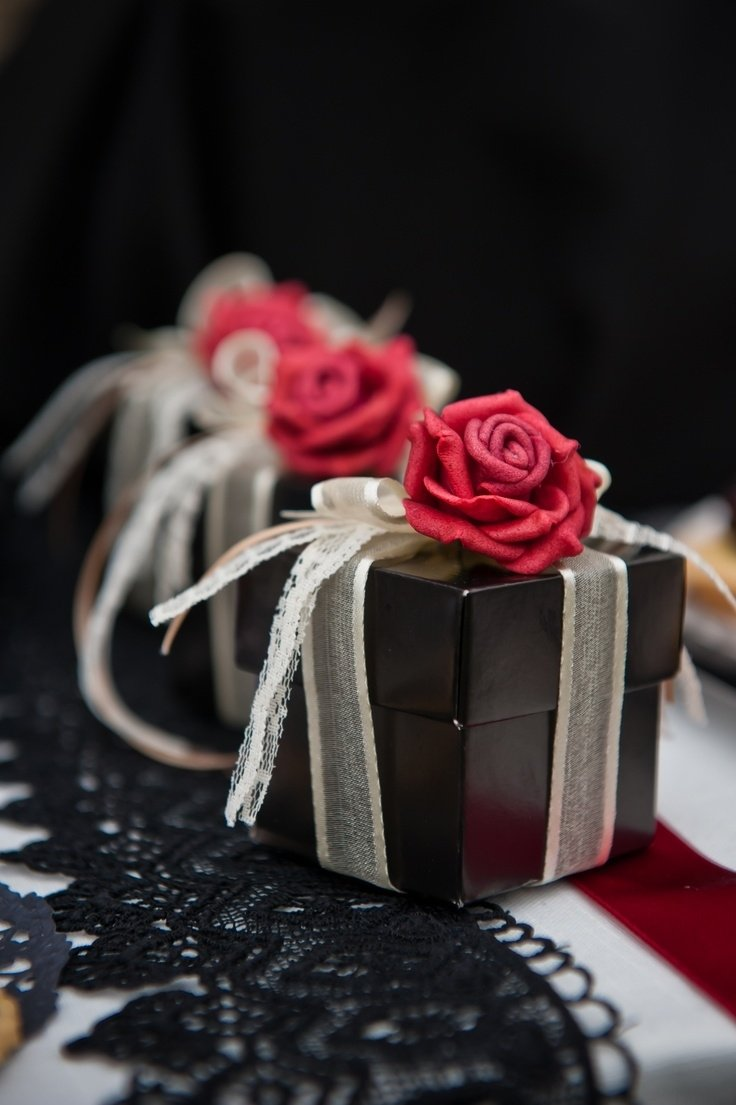 10 Stunning Black And Red Wedding Ideas 30 red and black wedding decor ideas weddingomania 1 2020