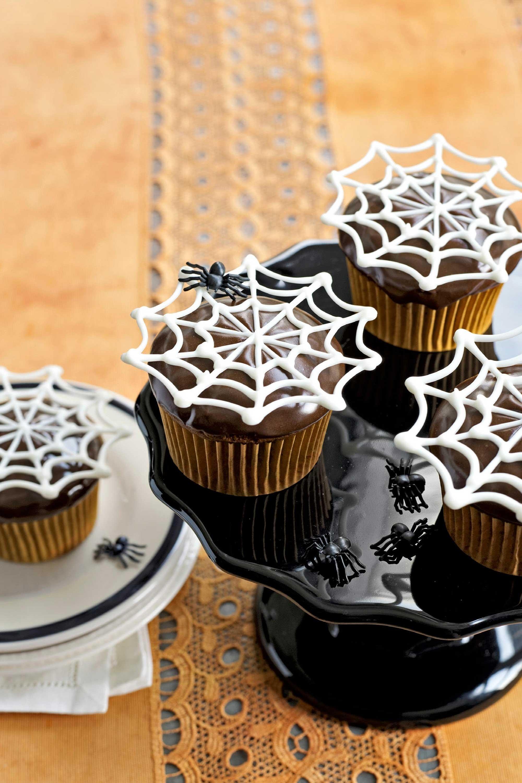 30+ spooktacular halloween cupcakes | halloween sweets, halloween