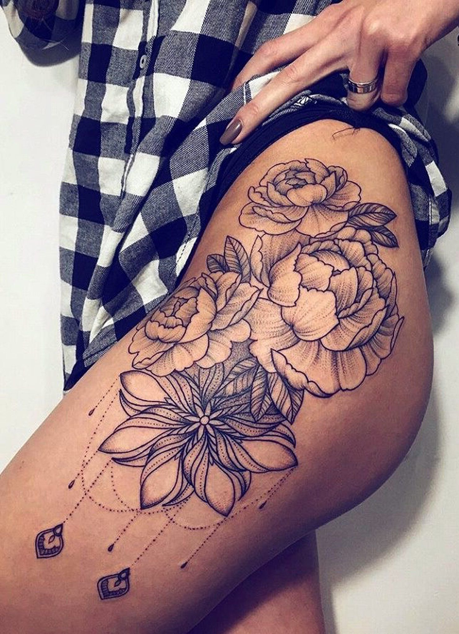 10 Attractive Hip Tattoo Ideas For Girls 30 womens badass hip tattoo ideas tattoo tatting and piercings 1 2020
