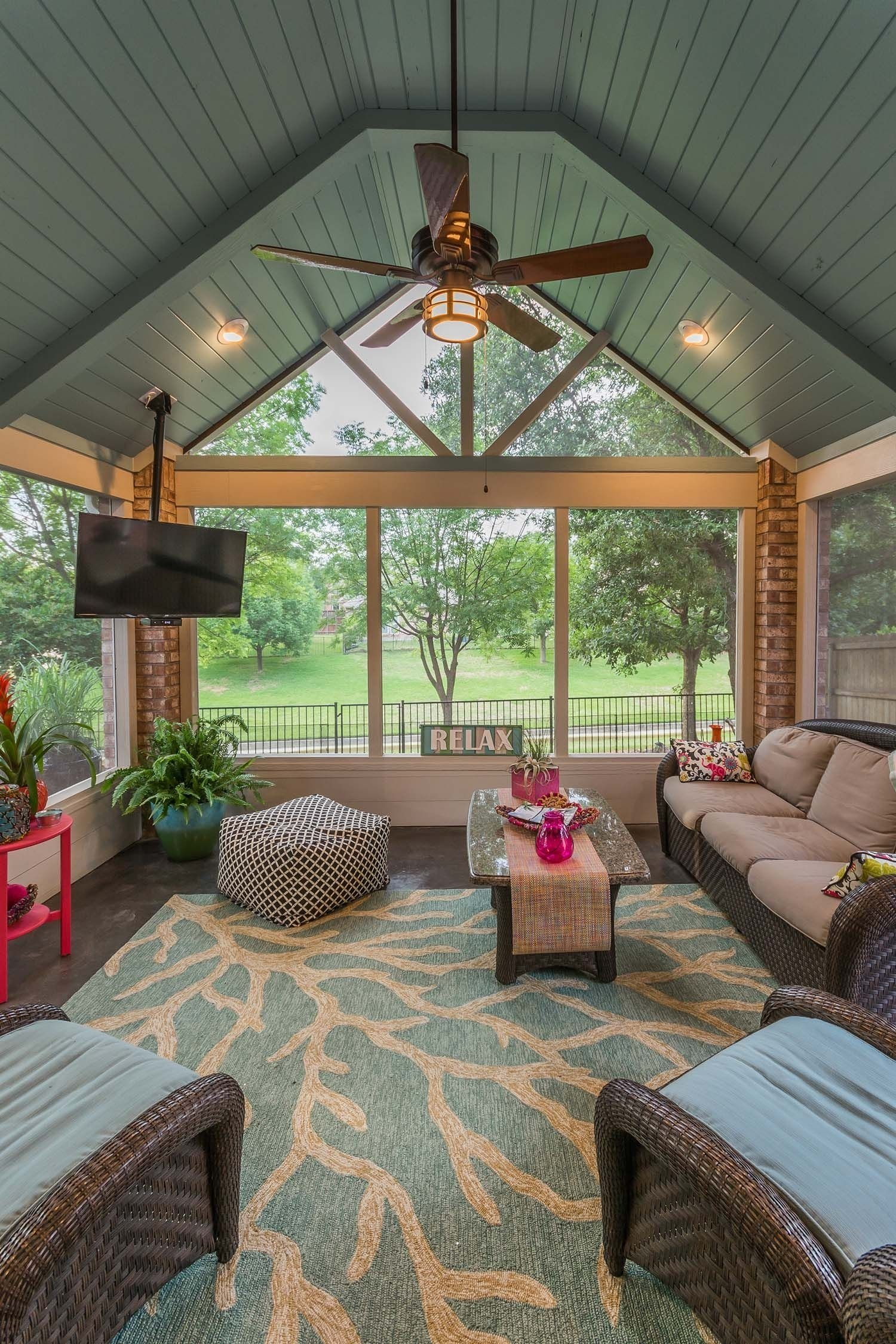10 Trendy Ideas For Screened In Porches 38 amazingly cozy and relaxing screened porch design ideas 2 2020